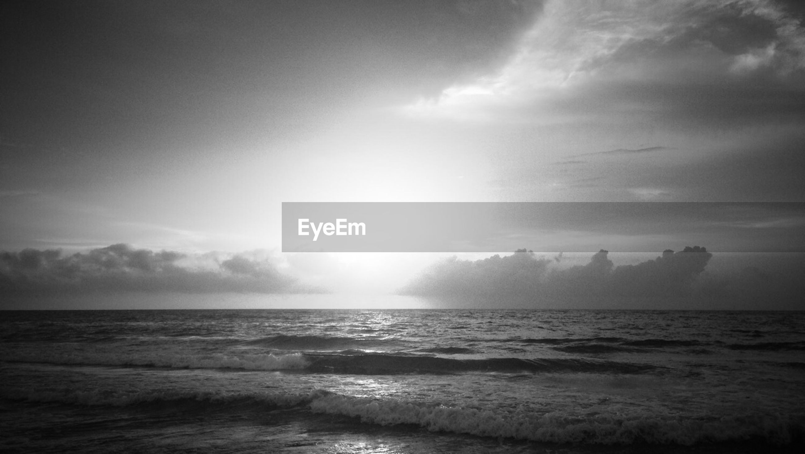 sea, horizon over water, water, sky, scenics, waterfront, beauty in nature, tranquil scene, tranquility, wave, nature, cloud - sky, idyllic, seascape, cloud, beach, outdoors, cloudy, rippled, day