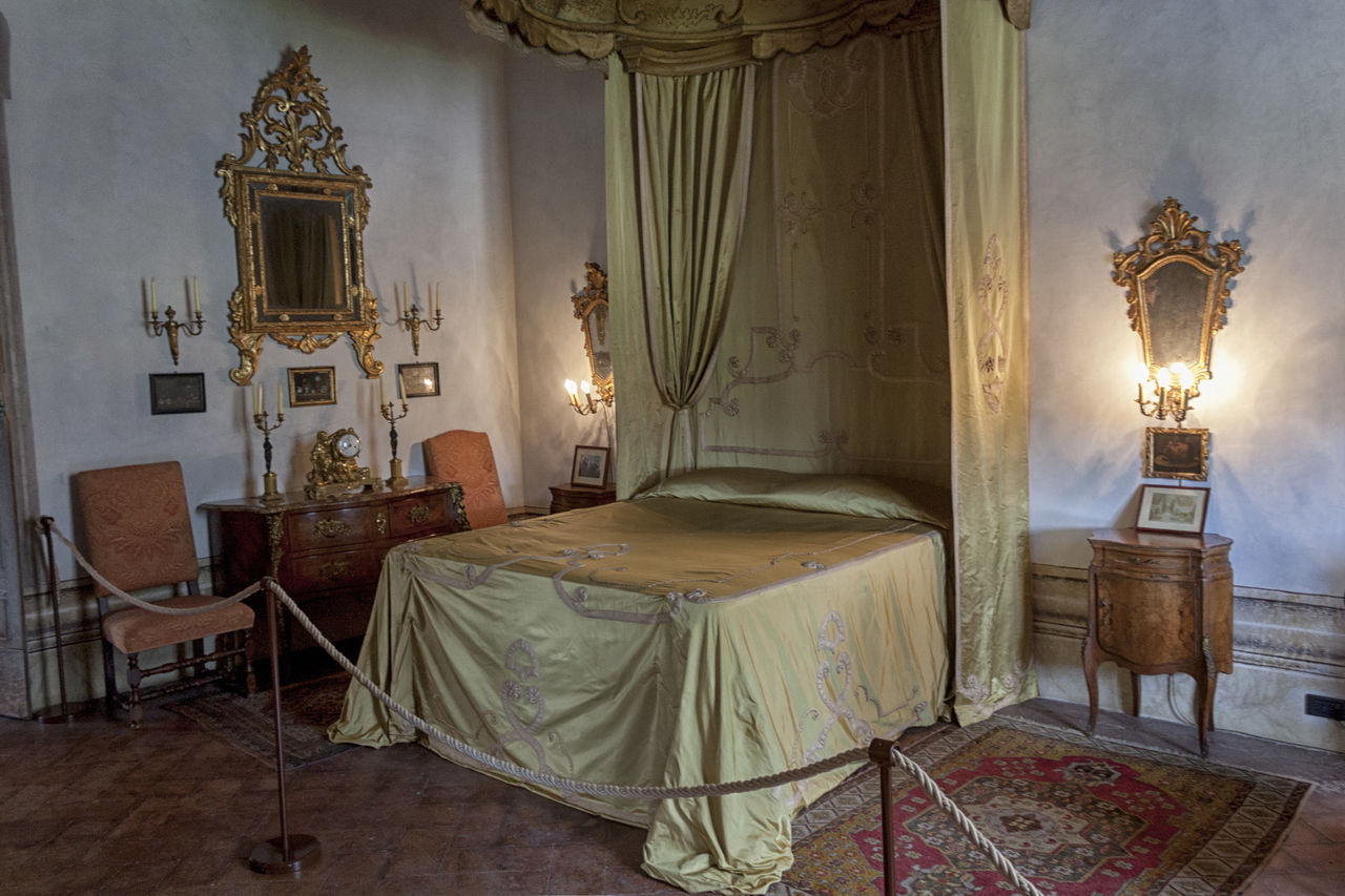 indoors, curtain, history, chair, no people, old-fashioned, home interior, bed, statue, bedroom, architecture, altar, day