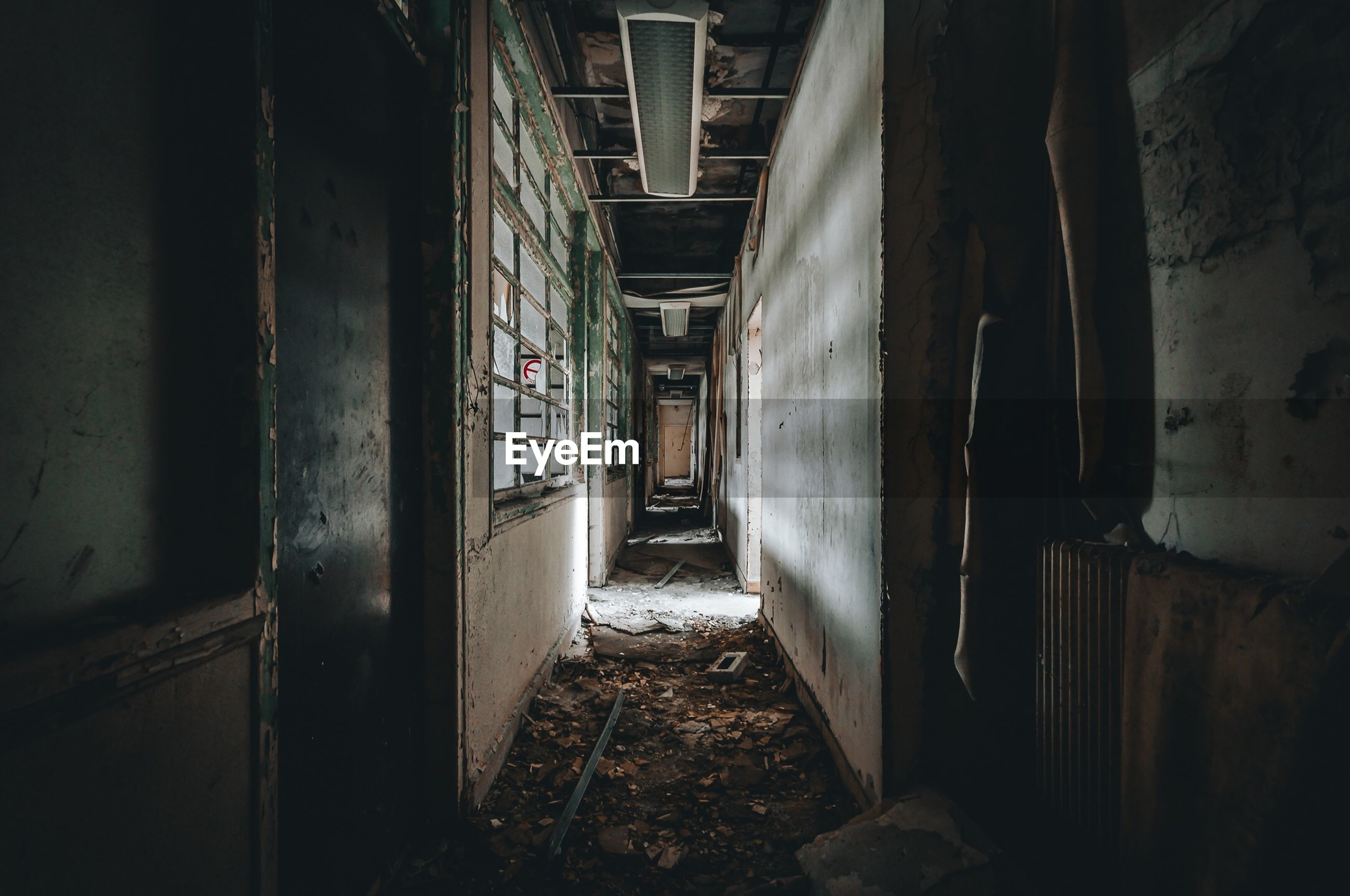 indoors, architecture, abandoned, messy, built structure, weathered, no people, day