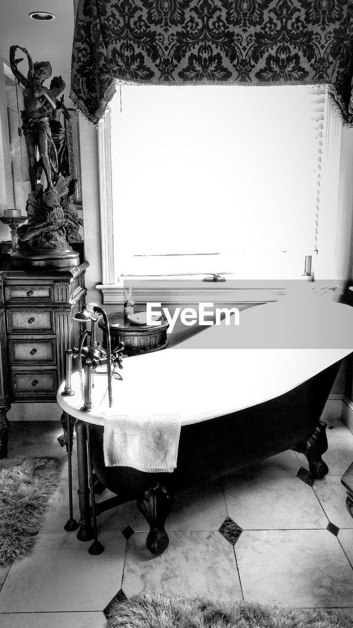 mirror, indoors, home interior, bathroom, no people, domestic room, day