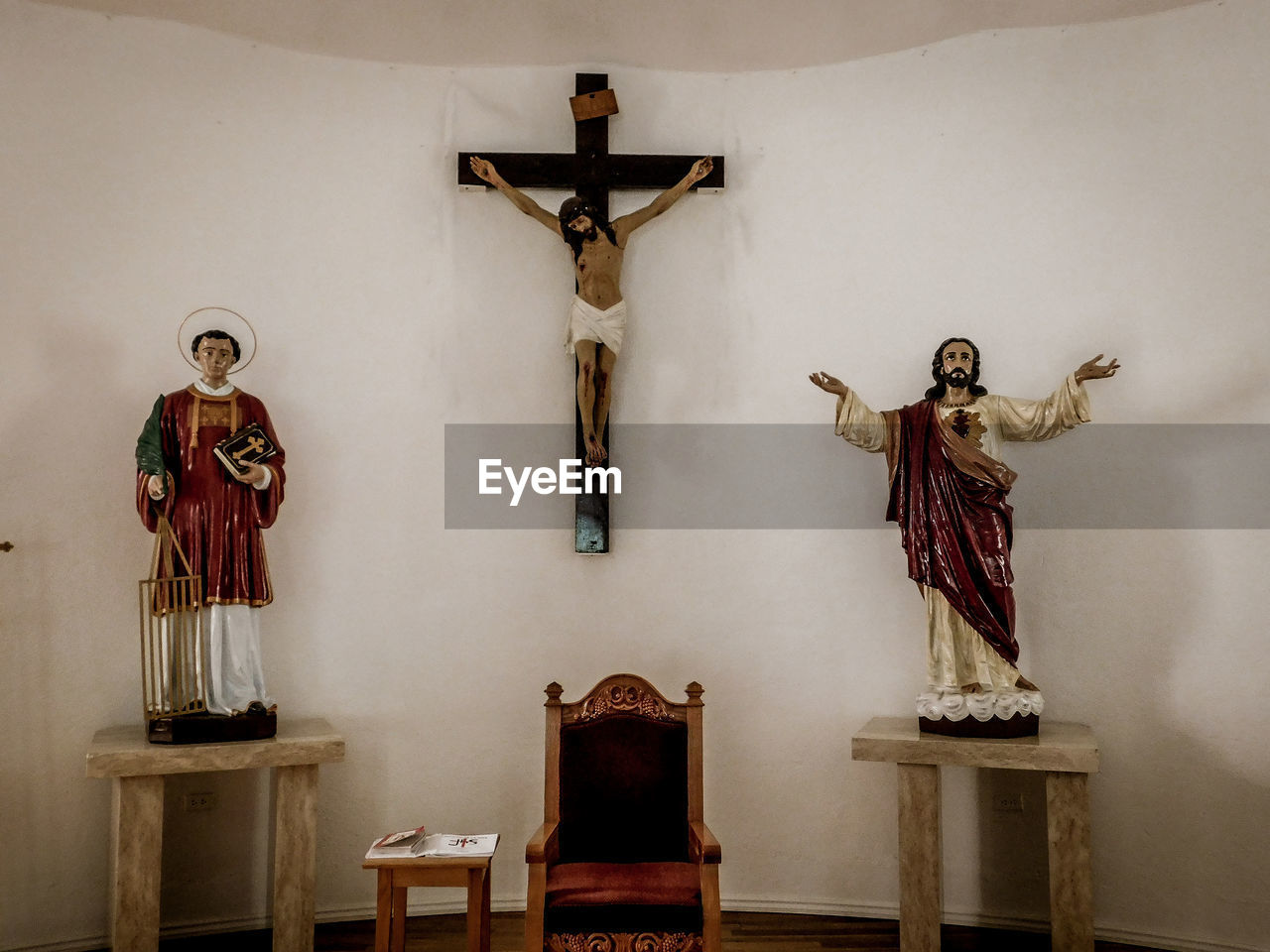 human representation, religion, representation, art and craft, sculpture, belief, spirituality, statue, male likeness, cross, indoors, place of worship, female likeness, crucifix, no people, architecture, altar, religious equipment, angel