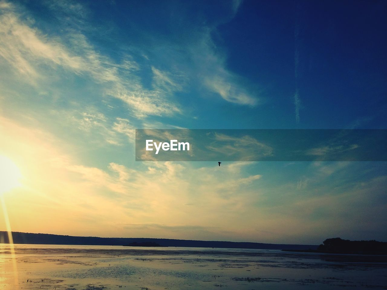 sky, sea, water, scenics, tranquil scene, tranquility, beauty in nature, nature, sunset, beach, outdoors, no people, cloud - sky, horizon over water, landscape, day