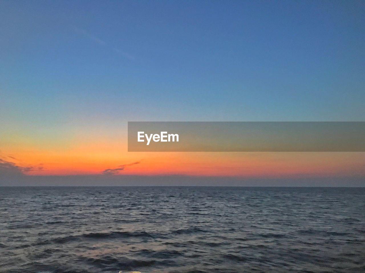 sky, sea, sunset, water, scenics - nature, beauty in nature, horizon over water, horizon, tranquility, tranquil scene, waterfront, idyllic, orange color, no people, copy space, nature, non-urban scene, clear sky, outdoors