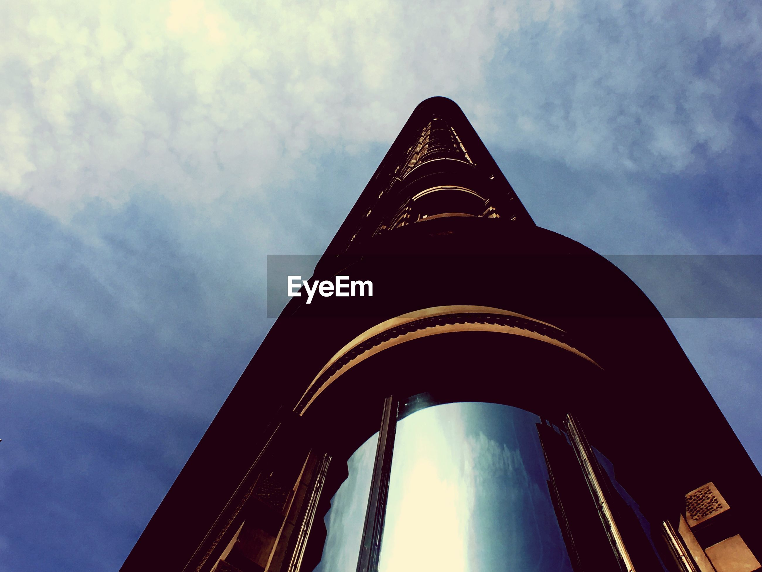 Low angle view of flatiron building against sky