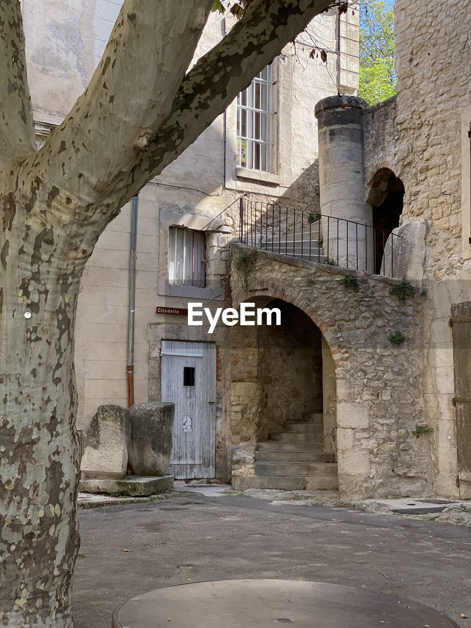 architecture, built structure, arch, building exterior, building, the past, history, old, no people, day, window, outdoors, entrance, weathered, wall, abandoned, door, nature, direction, architectural column, stone wall, ruined, ancient civilization