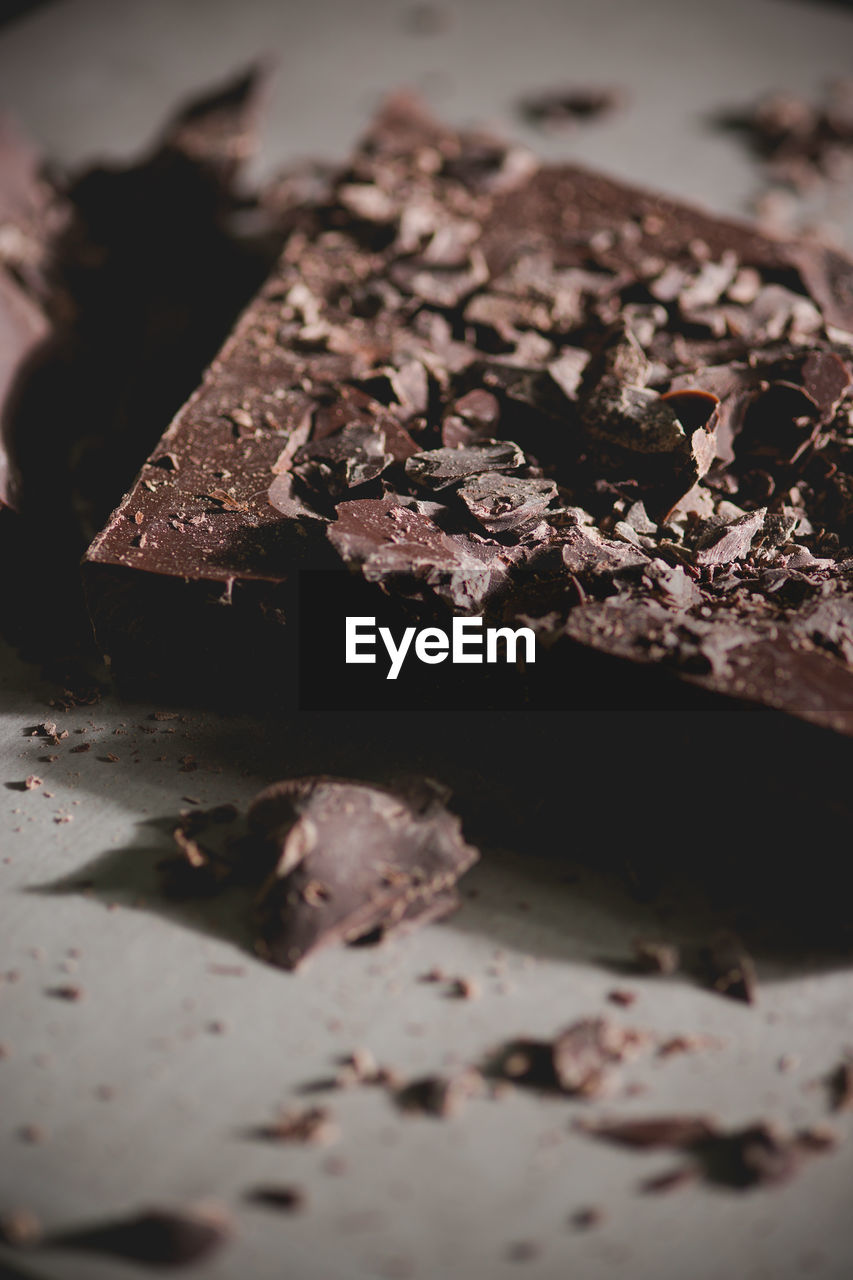 CLOSE-UP OF CHOCOLATE DESSERT