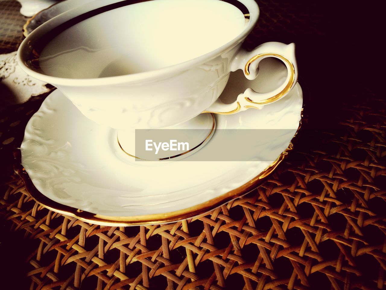 saucer, food and drink, drink, coffee cup, refreshment, indoors, no people, close-up, freshness, day