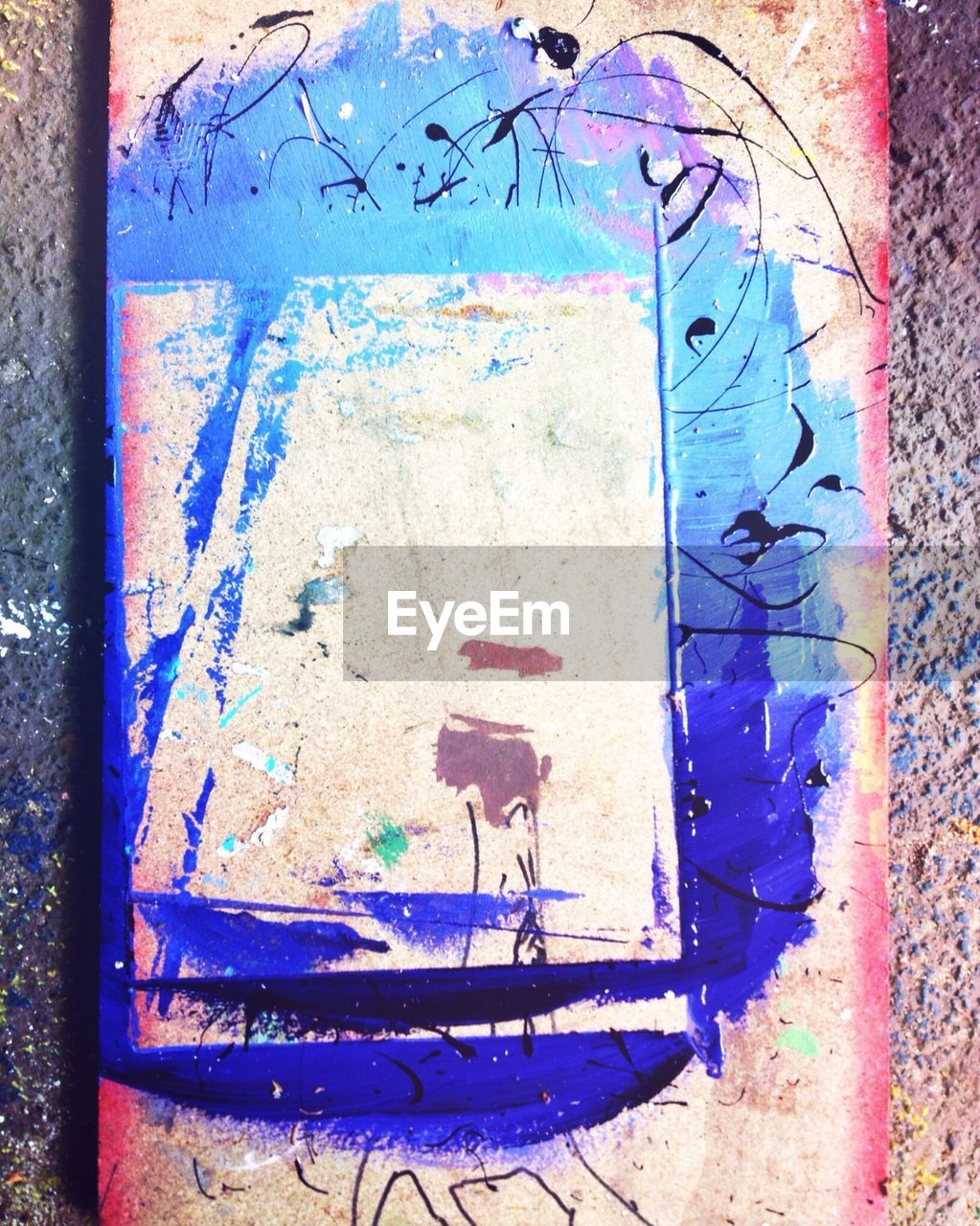 graffiti, paint, architecture, weathered, blue, no people, built structure, day, outdoors, close-up, multi colored