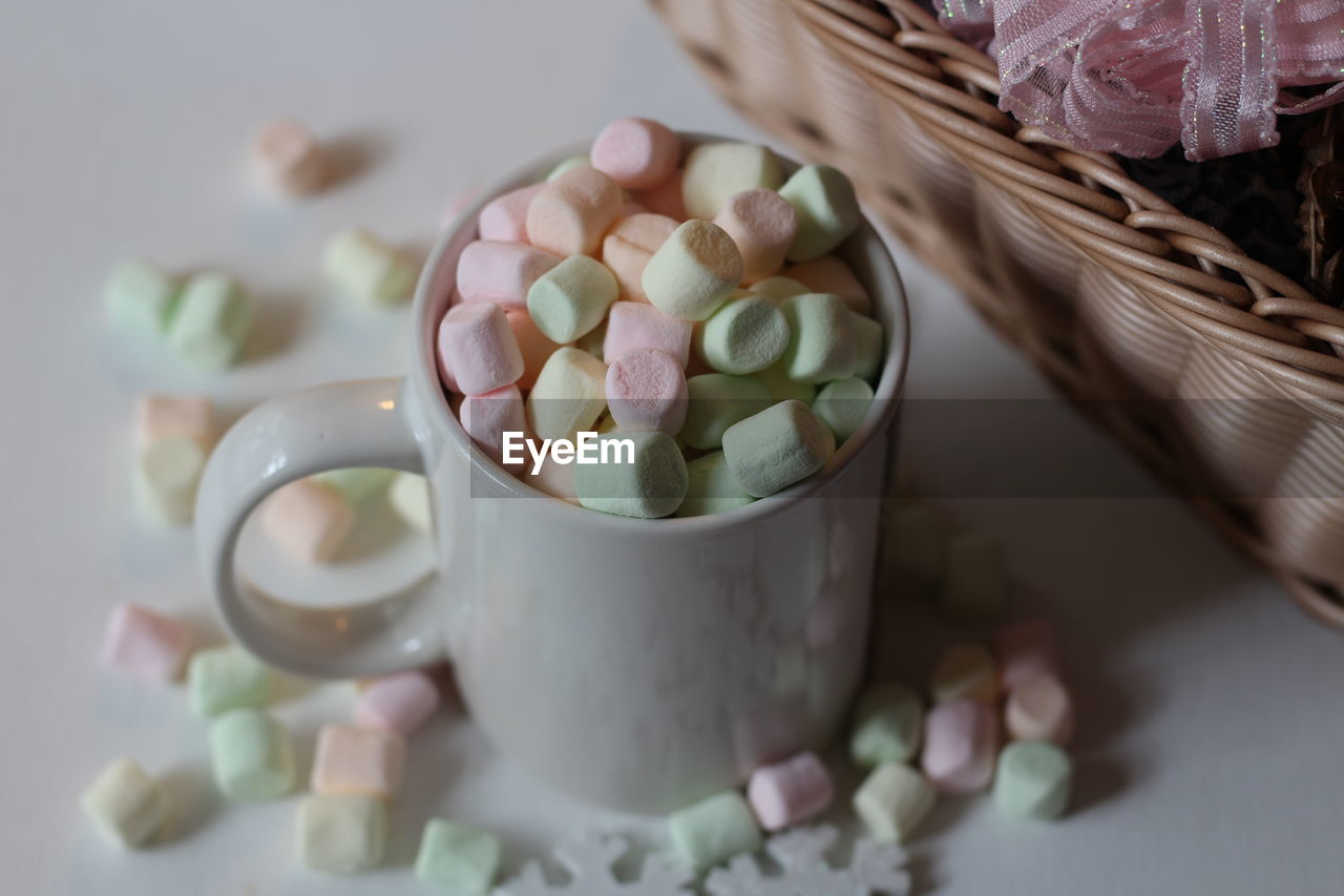 food and drink, food, cup, candy, still life, freshness, indoors, mug, table, no people, close-up, drink, selective focus, coffee - drink, sweet, refreshment, sweet food, coffee, coffee cup, marshmallow, temptation, crockery