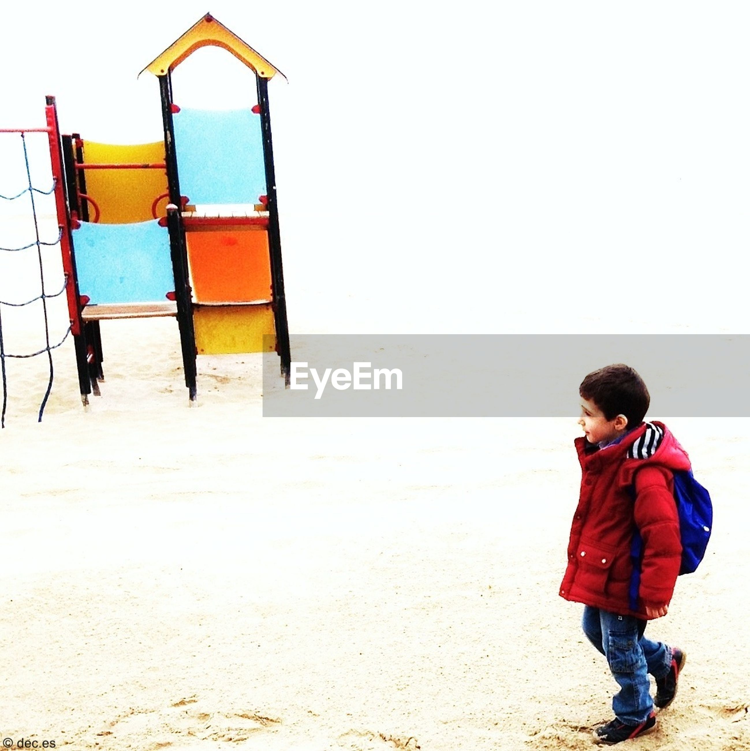 childhood, lifestyles, leisure activity, casual clothing, beach, full length, rear view, clear sky, elementary age, boys, girls, sand, standing, shore, copy space, innocence, person
