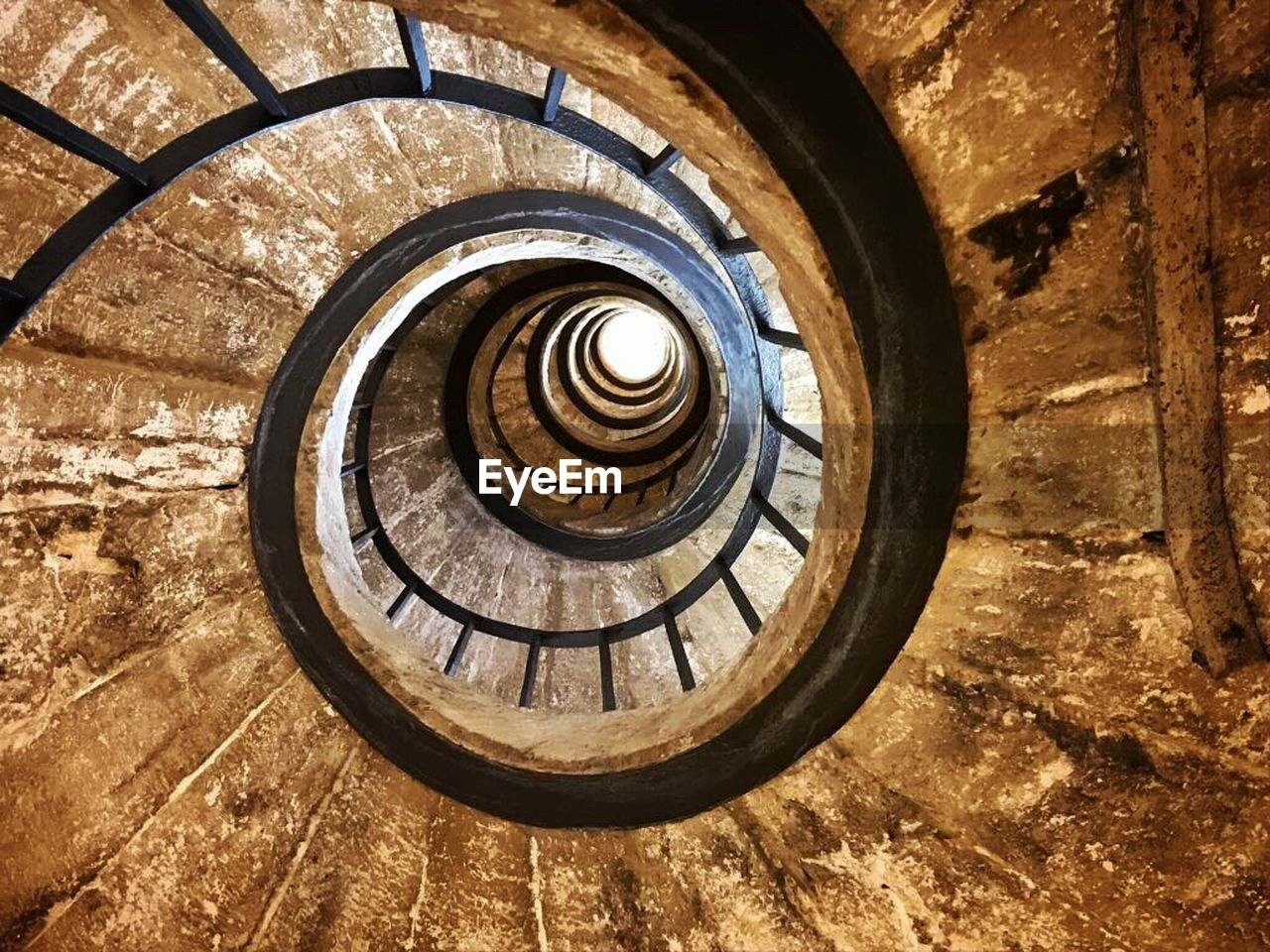 spiral, staircase, steps and staircases, architecture, steps, built structure, railing, spiral stairs, no people, day
