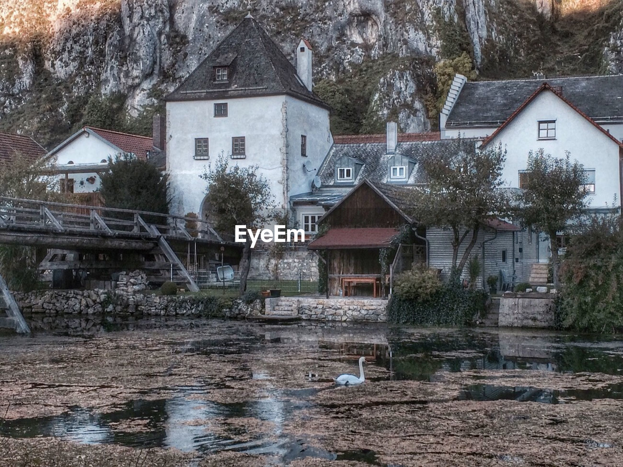 architecture, building exterior, built structure, water, house, tree, residential structure, residential building, canal, waterfront, reflection, river, town, day, building, outdoors, no people, nature, old, lake