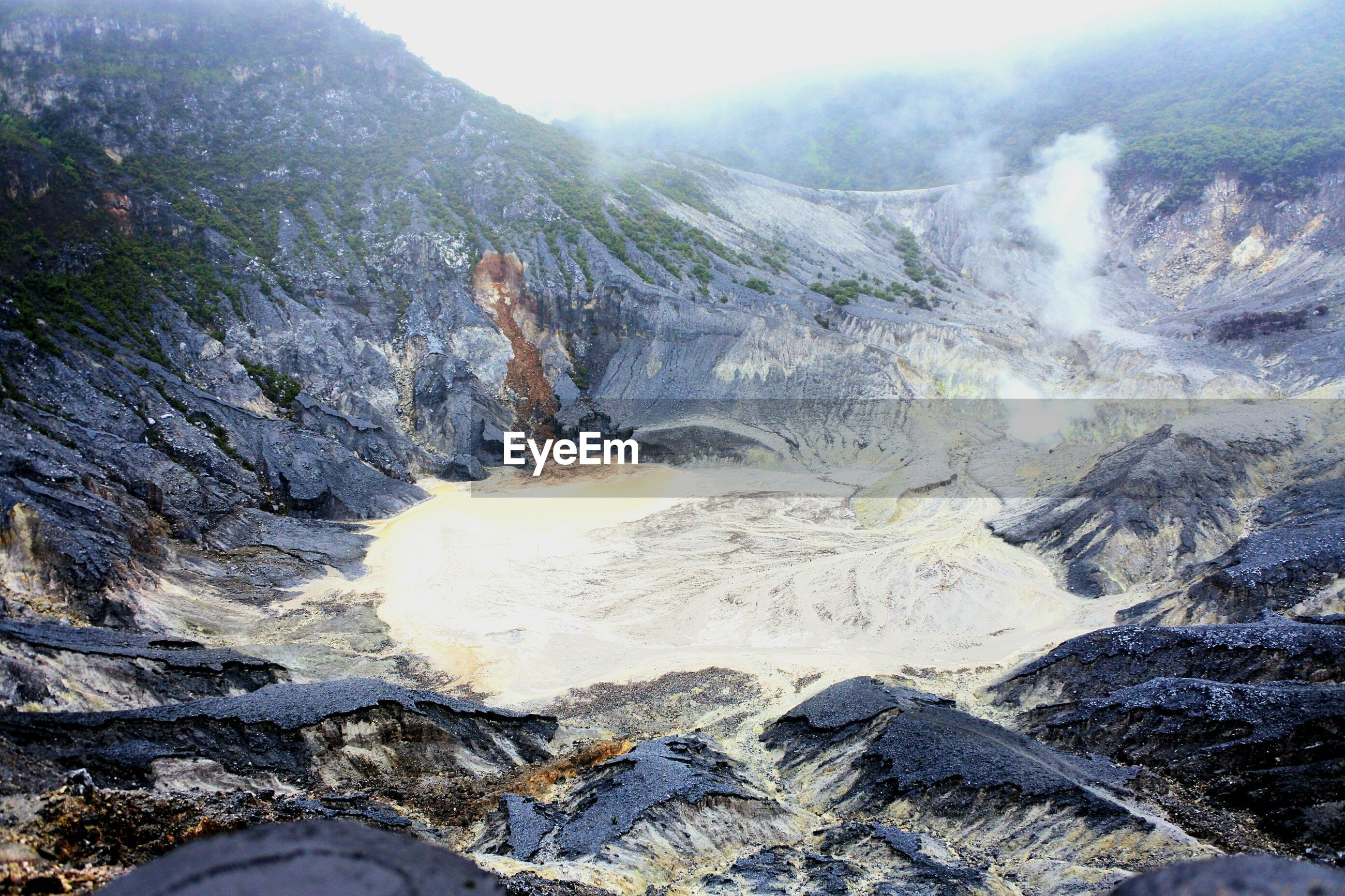 nature, mountain, outdoors, day, scenics, beauty in nature, landscape, physical geography, tranquility, hot spring, volcanic crater, no people, sky, tree, water