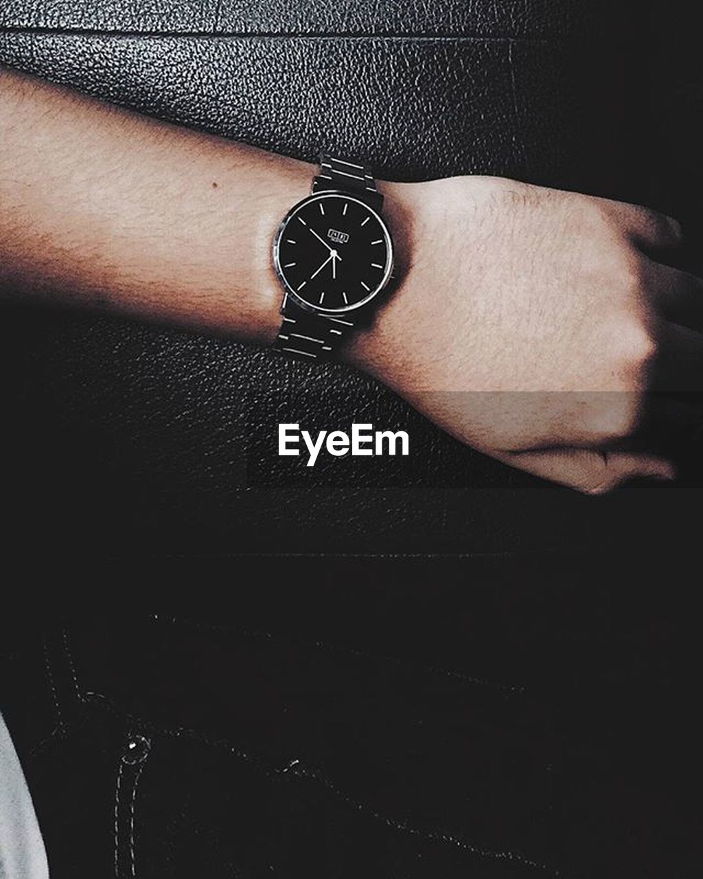 human body part, human hand, one person, close-up, real people, wristwatch, watch, time, men, indoors, one man only, low section, day, only men, people