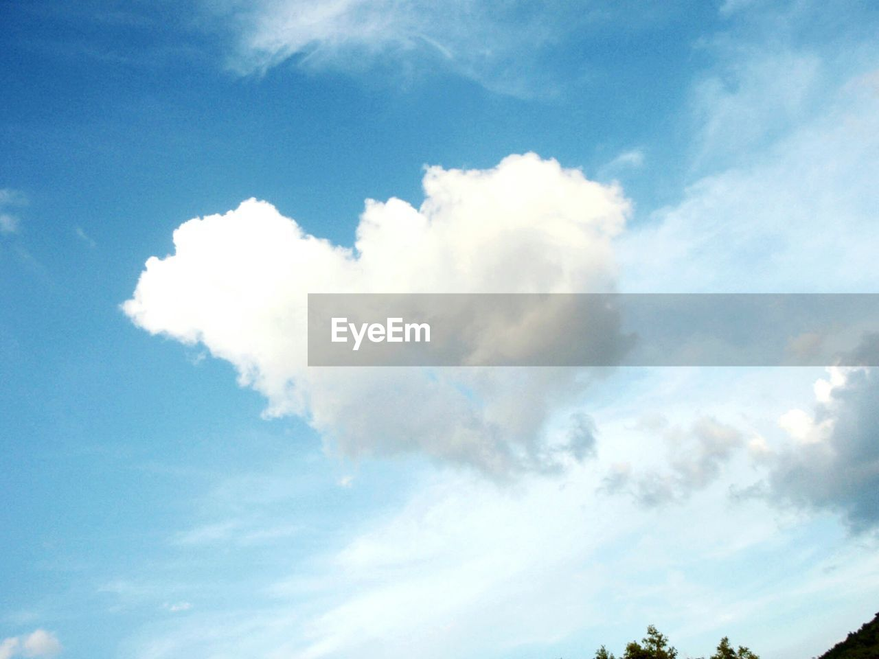 sky, beauty in nature, nature, cloud - sky, low angle view, scenics, sky only, tranquility, day, blue, tranquil scene, outdoors, no people, backgrounds, full frame