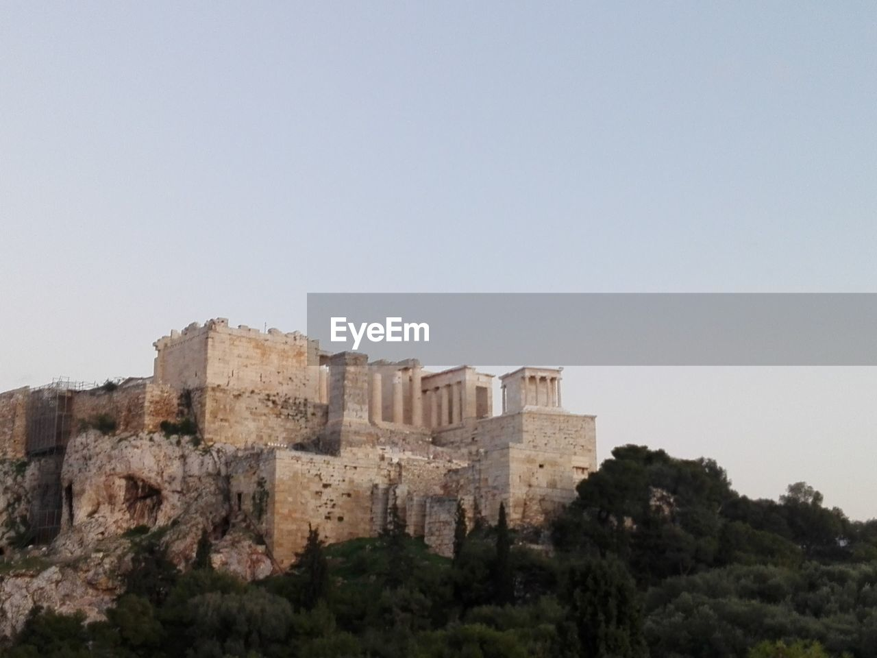 history, copy space, architecture, ancient, old ruin, no people, castle, clear sky, day, tree, travel destinations, outdoors, ancient civilization, sky