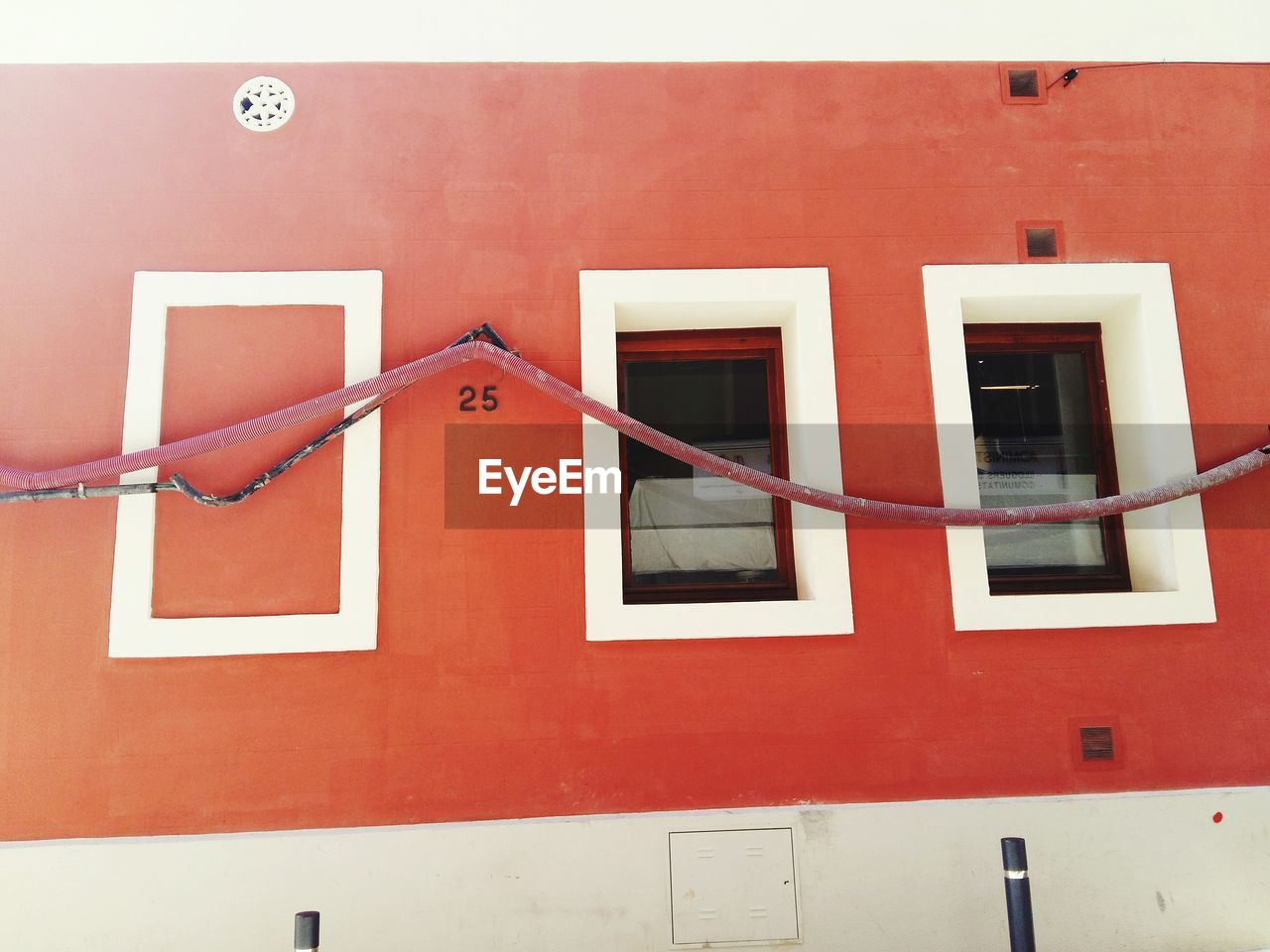 building exterior, architecture, built structure, red, window, outdoors, no people, day
