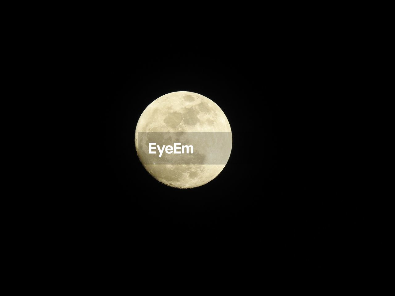 moon, night, astronomy, circle, beauty in nature, copy space, planetary moon, moon surface, nature, scenics, no people, low angle view, tranquility, tranquil scene, outdoors, clear sky, space exploration, space, sky