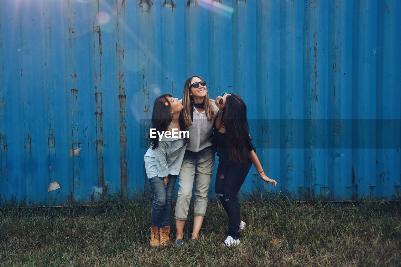 PORTRAIT OF A  Three YOUNG Girlfriends