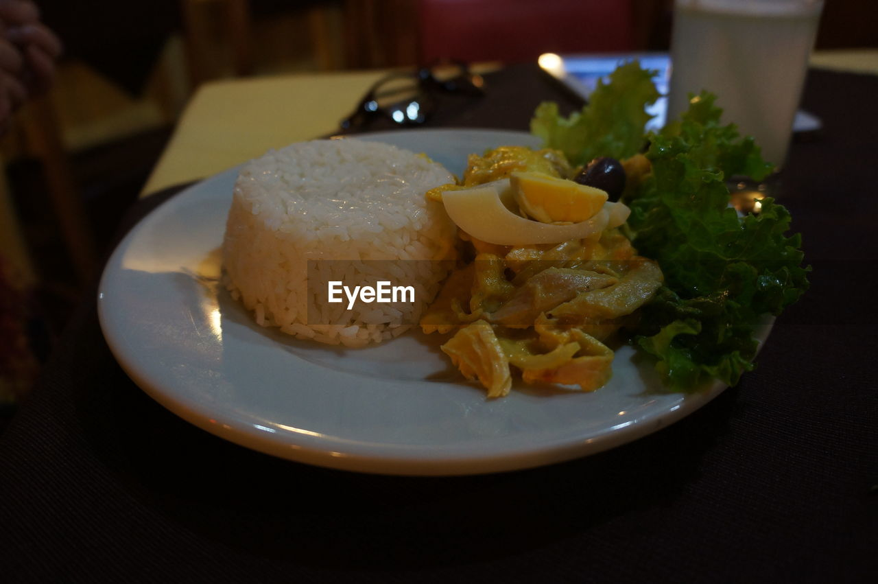 food and drink, plate, food, indoors, ready-to-eat, freshness, table, close-up, healthy eating, breakfast, no people, day