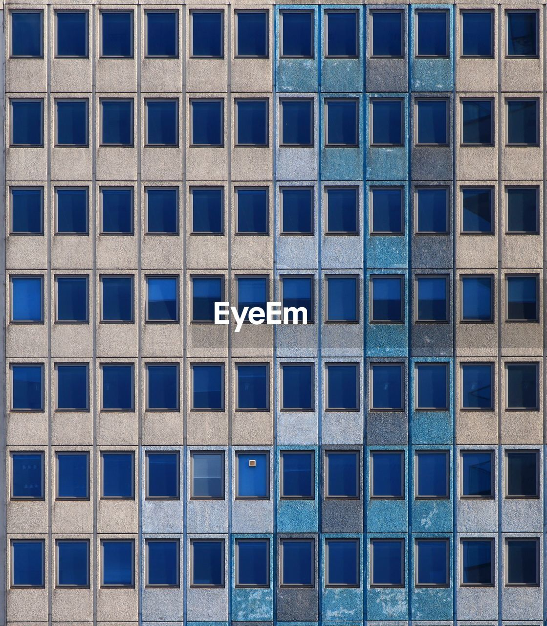 architecture, full frame, built structure, backgrounds, building exterior, building, window, city, no people, pattern, in a row, day, modern, office building exterior, repetition, side by side, blue, outdoors, office, glass - material