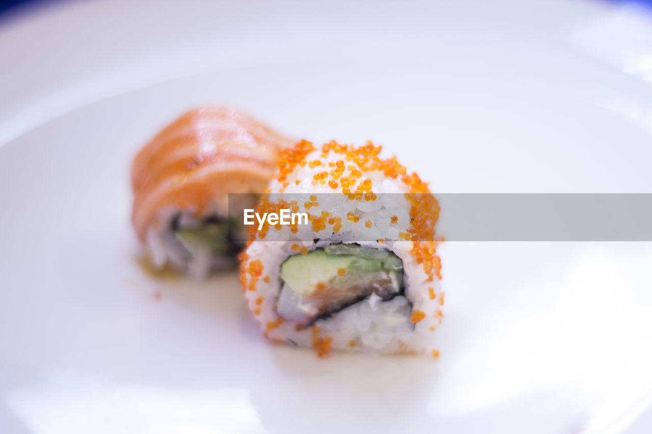 ready-to-eat, plate, freshness, sushi, seafood, food, close-up, food and drink, rice, healthy eating, rice - food staple, serving size, still life, wellbeing, japanese food, no people, indoors, asian food, selective focus, fish, temptation, garnish, snack