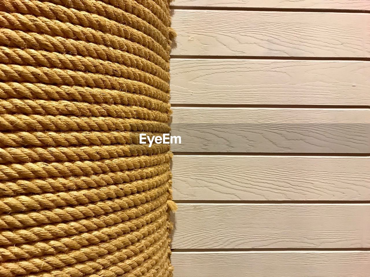pattern, no people, backgrounds, textured, close-up, wicker, full frame, textile, indoors, brown, wood - material, basket, day, material, mat, art and craft, container, detail, beige