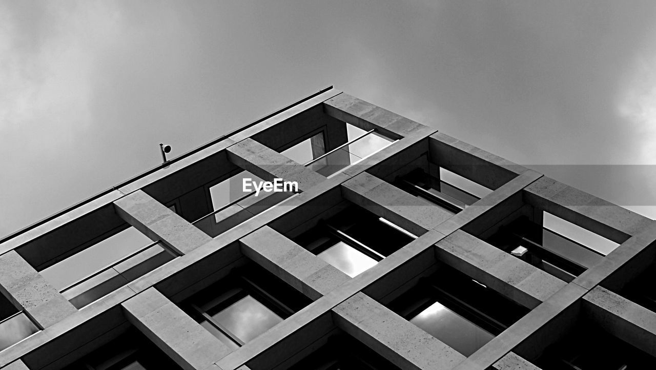 architecture, built structure, low angle view, building exterior, no people, sky, day, outdoors, modern