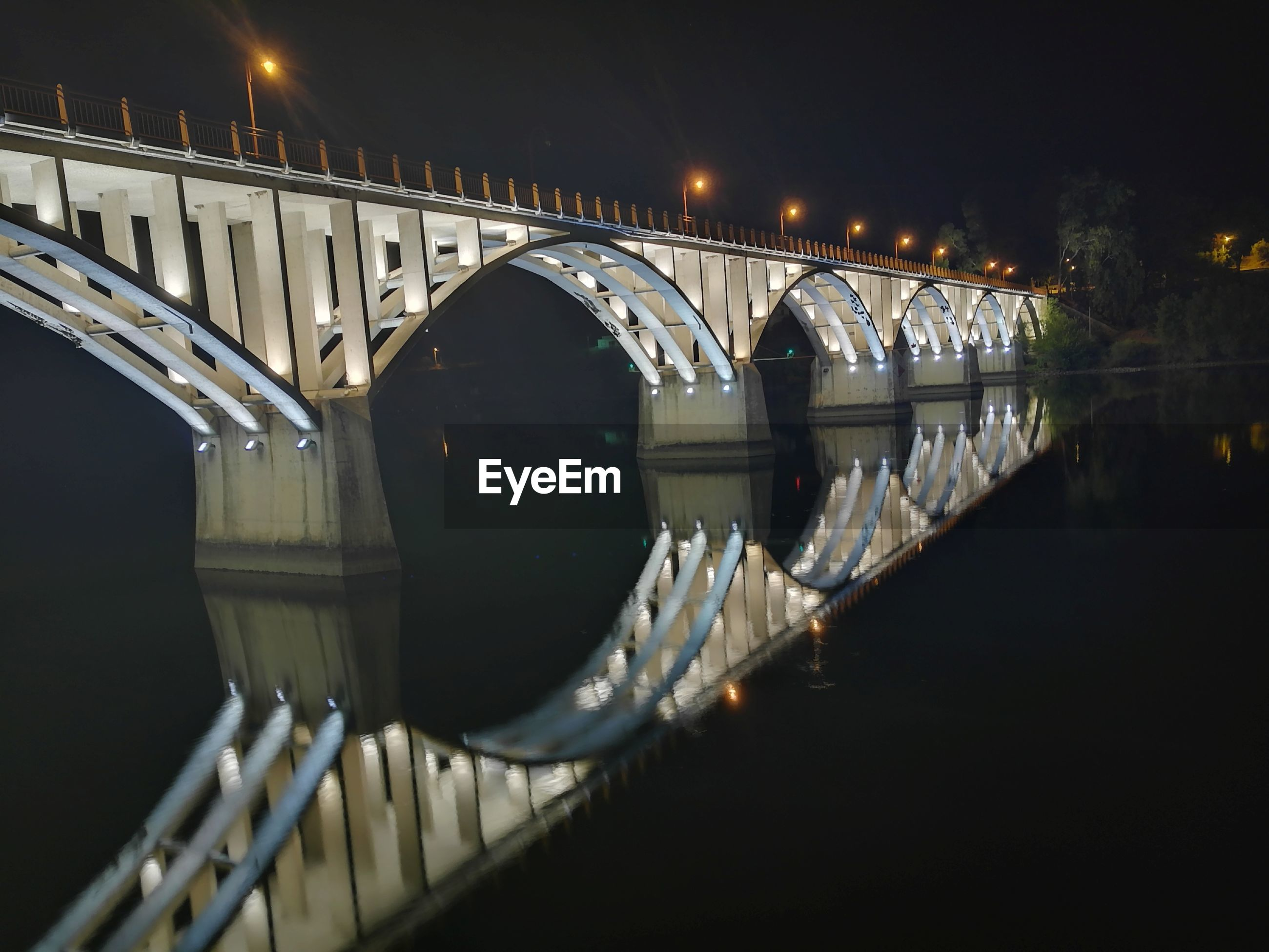 water, bridge, connection, architecture, built structure, bridge - man made structure, reflection, night, illuminated, river, no people, transportation, nature, arch, waterfront, railing, city, arch bridge, outdoors, steel
