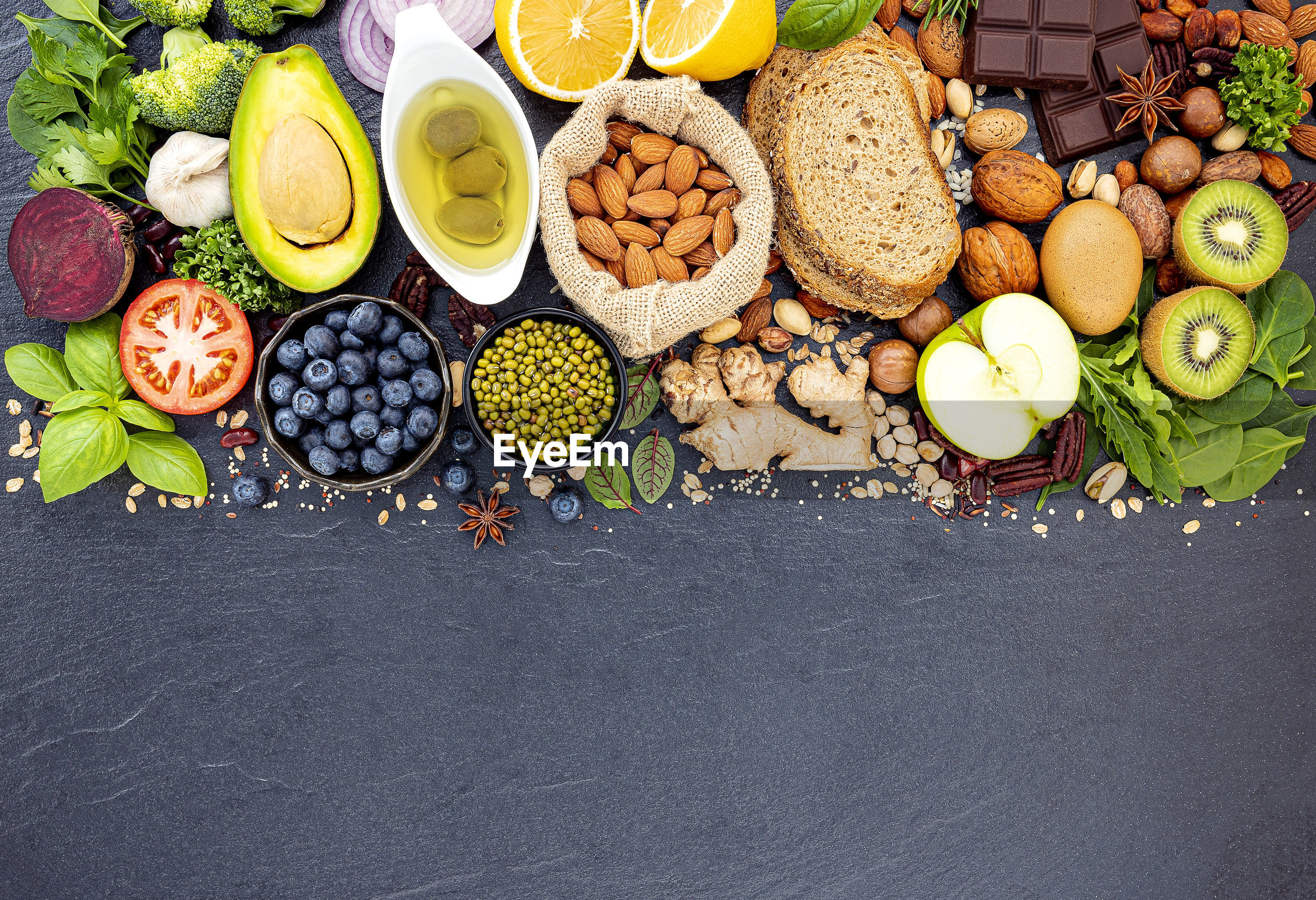 HIGH ANGLE VIEW OF FRUITS AND TABLE