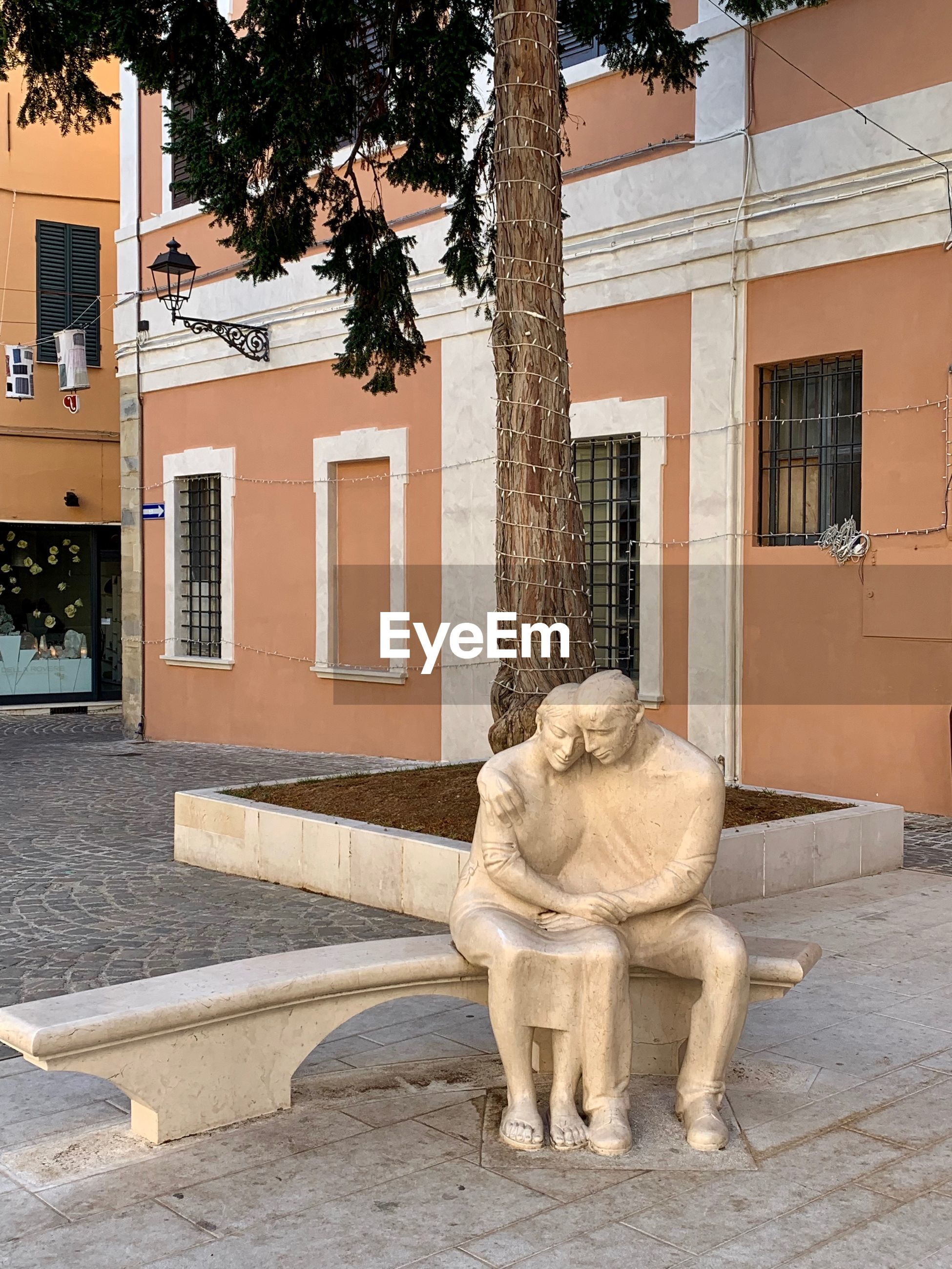 STATUE OF A BUILDING