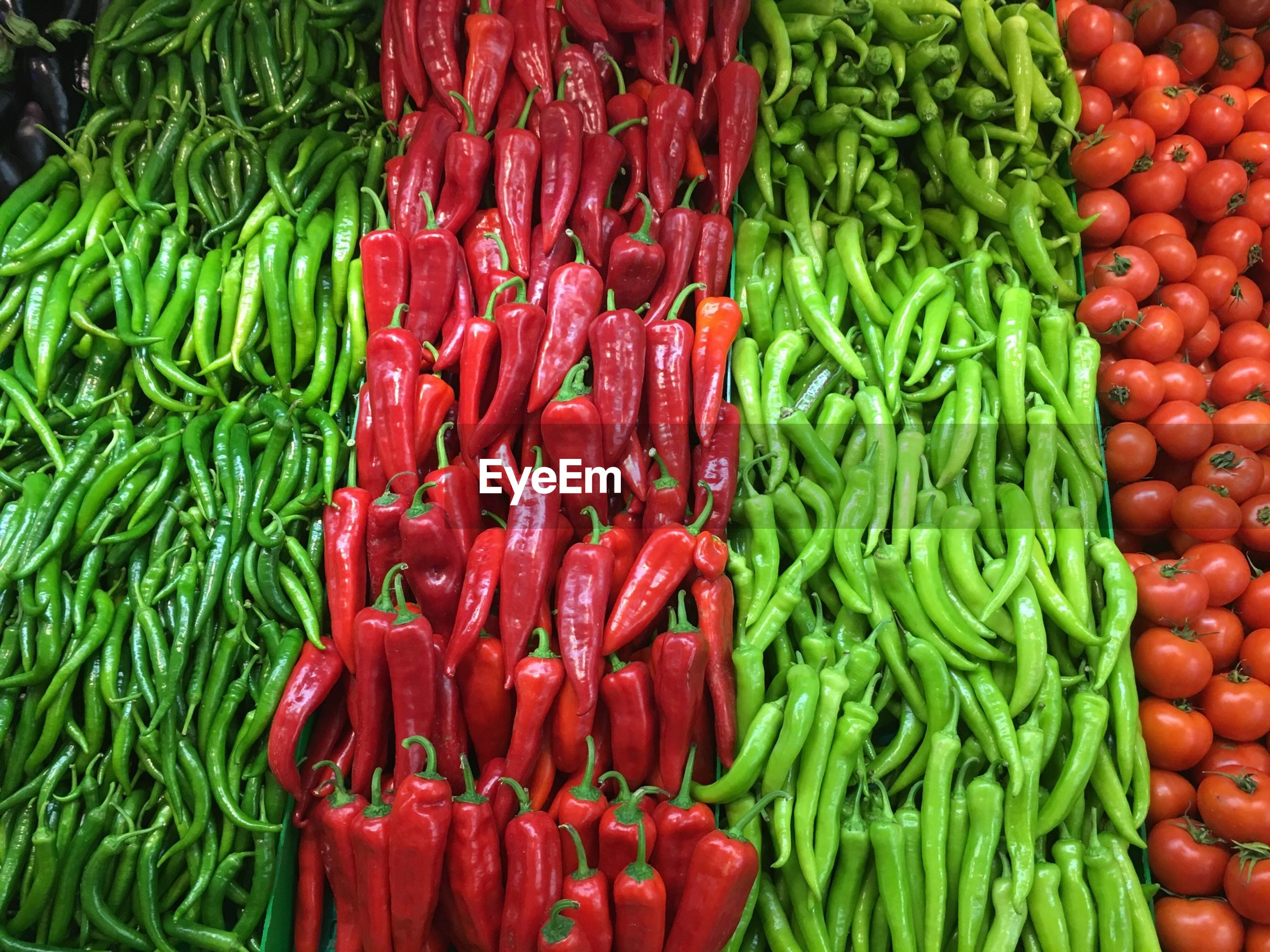 freshness, food and drink, healthy eating, food, red, vegetable, for sale, abundance, market, market stall, large group of objects, retail, full frame, green color, backgrounds, raw food, organic, choice, still life, stack