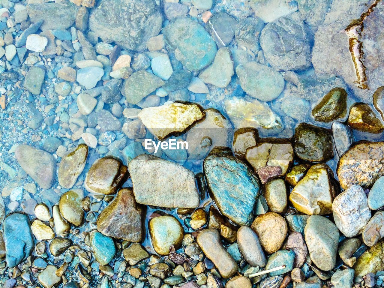 pebble, stone - object, rock - object, full frame, backgrounds, no people, beach, nature, textured, pebble beach, outdoors, close-up, day, water