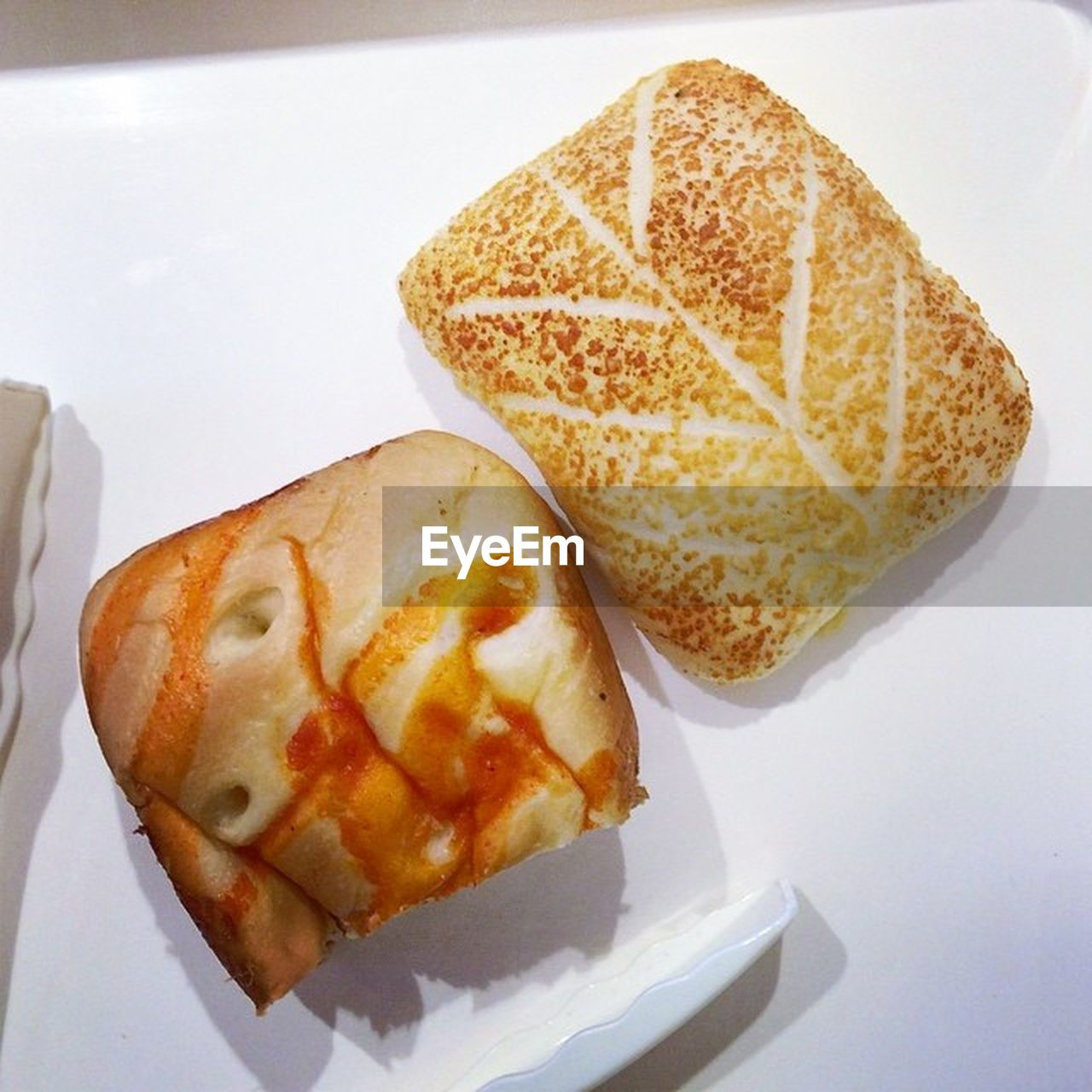 food and drink, food, bread, plate, no people, high angle view, ready-to-eat, breakfast, indoors, close-up, freshness, toasted bread, healthy eating, day