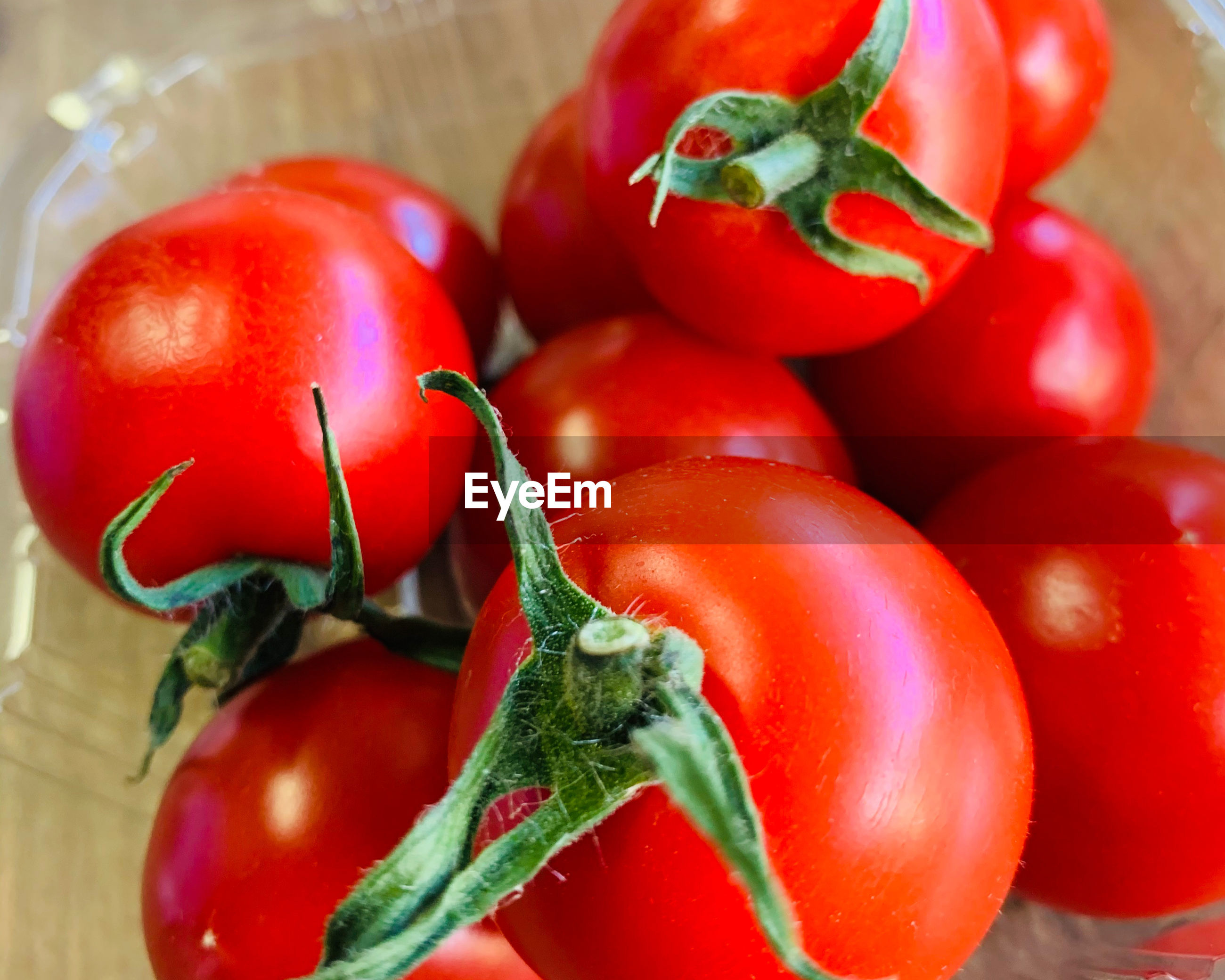 Close-up of tomatoes in bowl