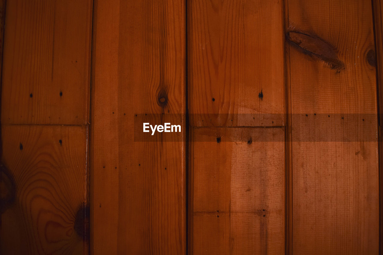 wood - material, brown, indoors, pattern, door, no people, wood, backgrounds, entrance, full frame, textured, wall - building feature, home interior, old, flooring, closed, close-up, plank, built structure, wood grain