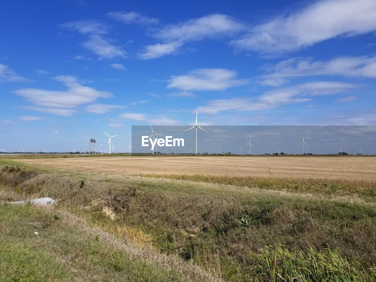 wind turbine, wind power, field, day, landscape, nature, alternative energy, outdoors, windmill, no people, blue, sky, grass, industrial windmill, beauty in nature