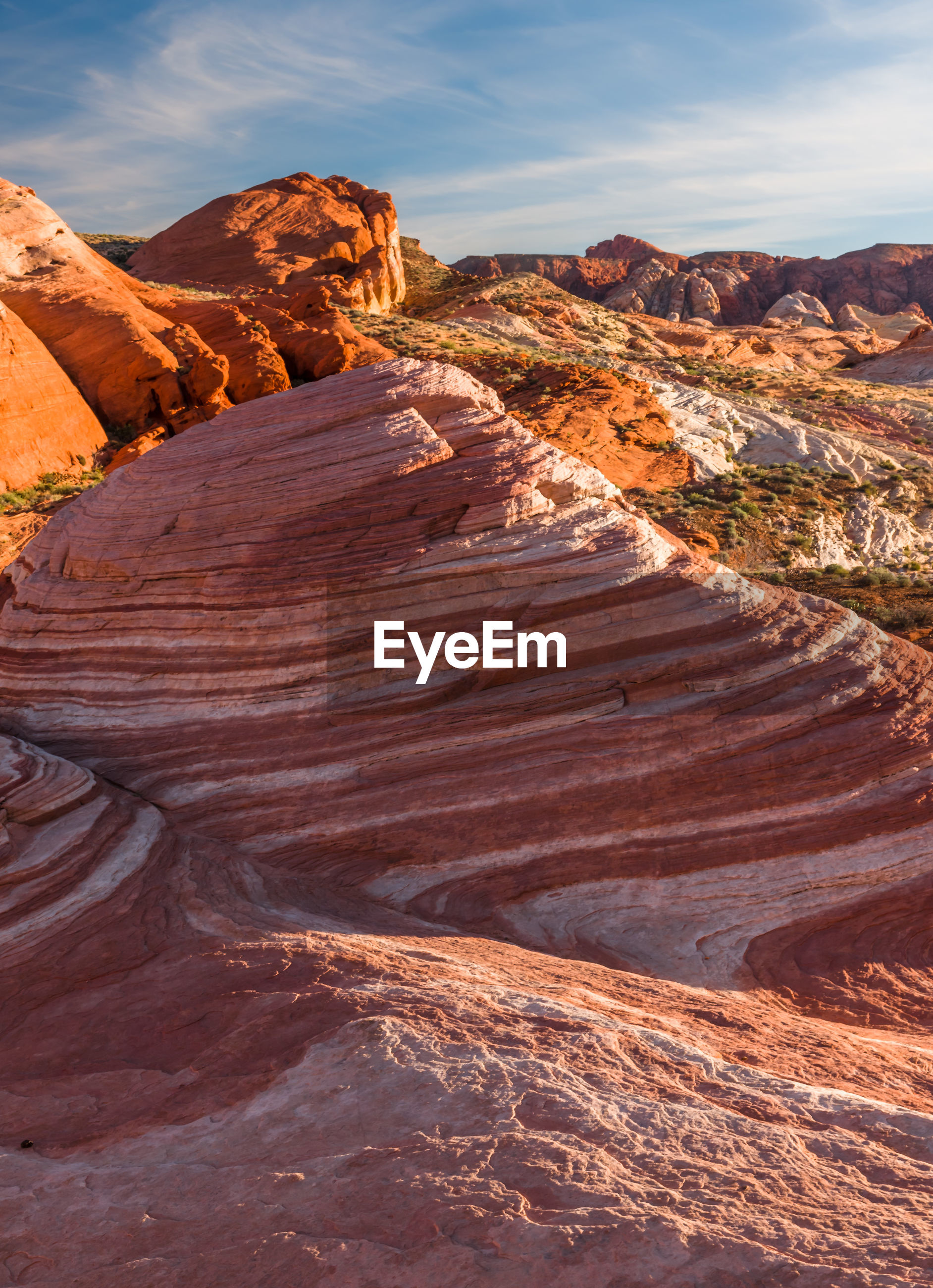 SCENIC VIEW OF ROCK FORMATIONS IN CANYON