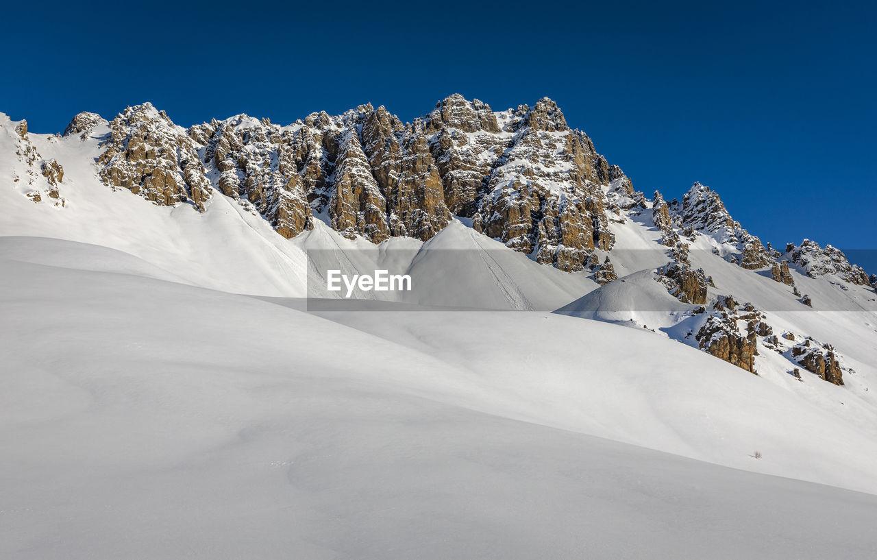 Queyras dolomite landscape in winter - paysage dolomitique du queyras en hiver, hautes alpes, france