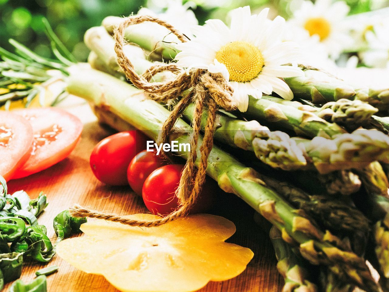 food, freshness, food and drink, healthy eating, vegetable, wellbeing, close-up, plant, no people, still life, green color, tomato, flower, fruit, flowering plant, focus on foreground, selective focus, raw food, nature, day, herb
