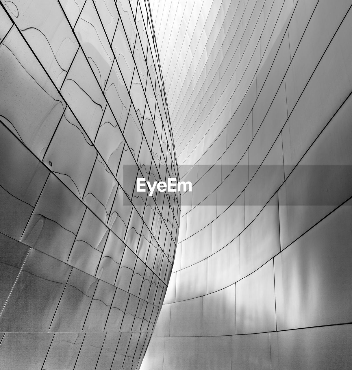 steel, no people, architecture, built structure, modern, day, low angle view, outdoors, building exterior, sky, close-up