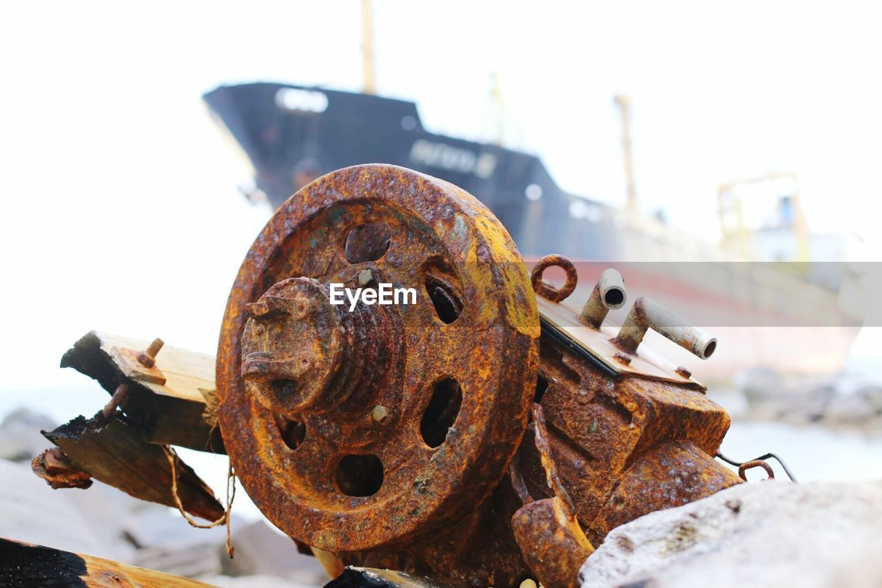rusty, metal, no people, close-up, obsolete, focus on foreground, day, outdoors