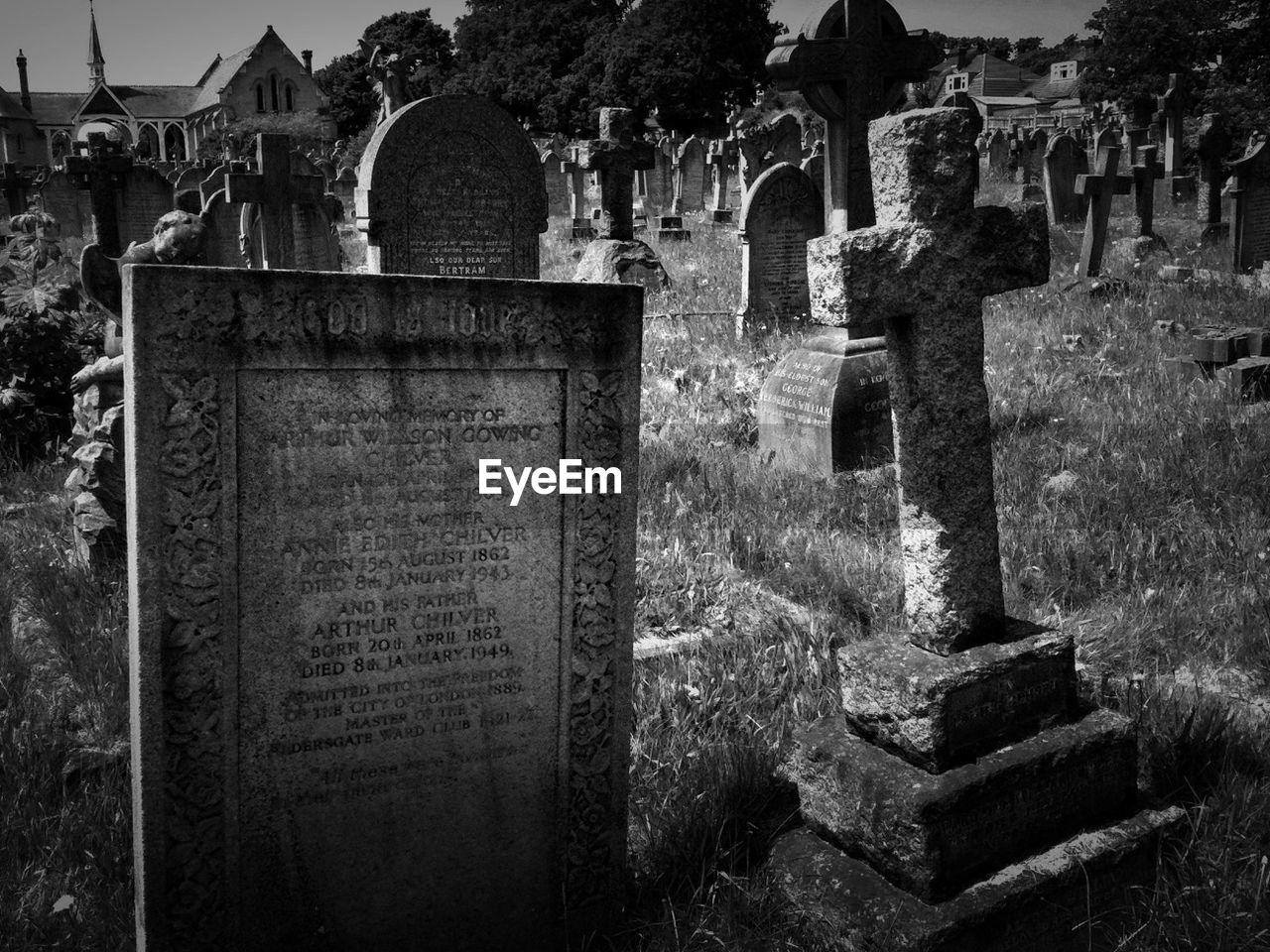 cemetery, tombstone, grave, stone, history, the past, architecture, religion, memorial, sadness, belief, spirituality, no people, built structure, old, solid, stone material, outdoors, ruined, ancient civilization