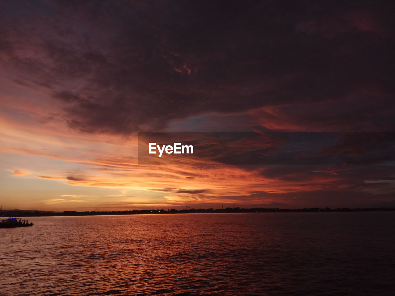 sky, sunset, cloud - sky, water, scenics - nature, sea, beauty in nature, horizon, tranquil scene, tranquility, horizon over water, waterfront, orange color, nature, idyllic, no people, dramatic sky, remote, seascape, outdoors