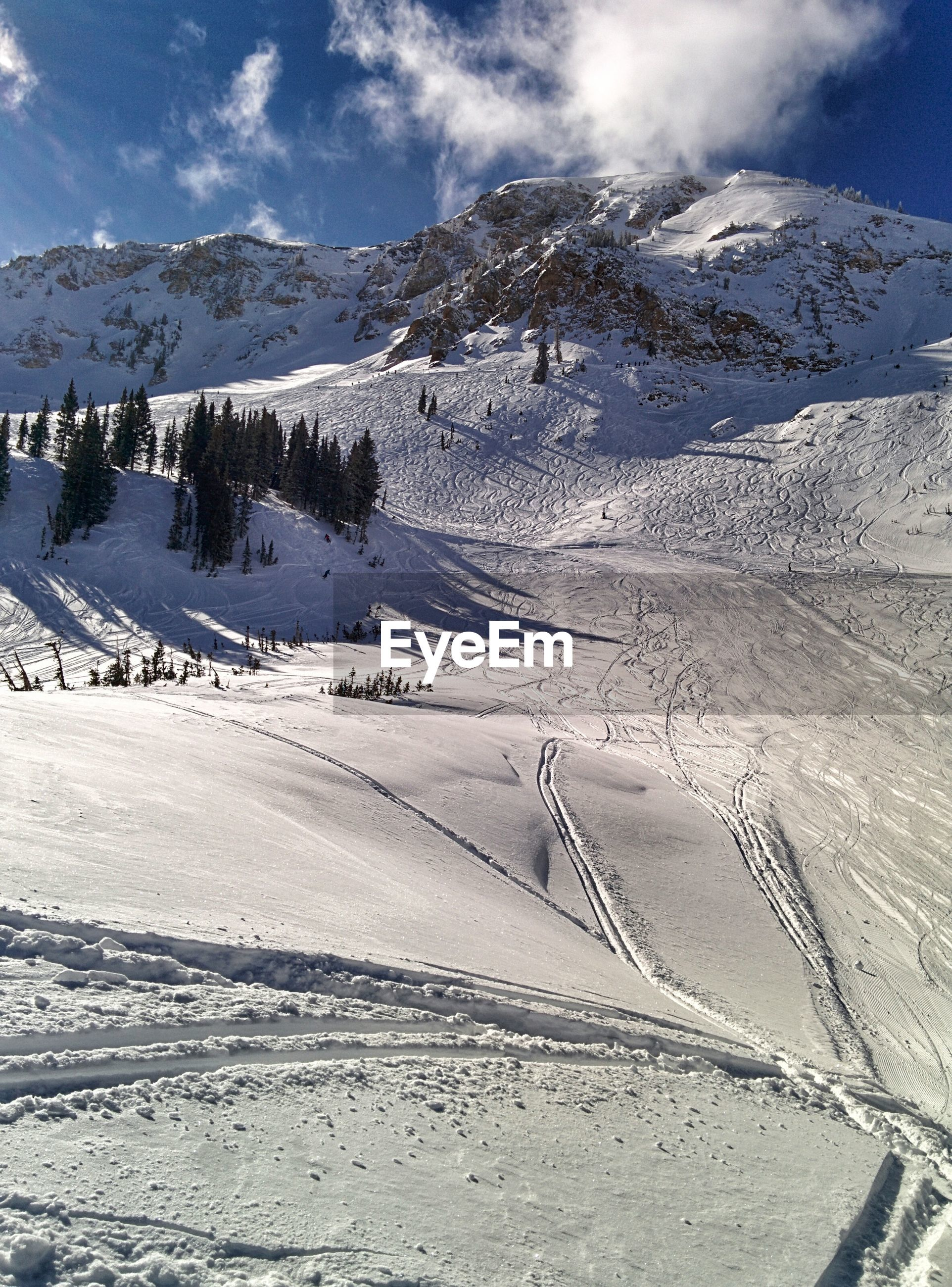 snow, cold temperature, winter, mountain, tranquil scene, tranquility, scenics, landscape, beauty in nature, sky, mountain range, nature, season, snowcapped mountain, weather, non-urban scene, cloud - sky, snowcapped, idyllic, day