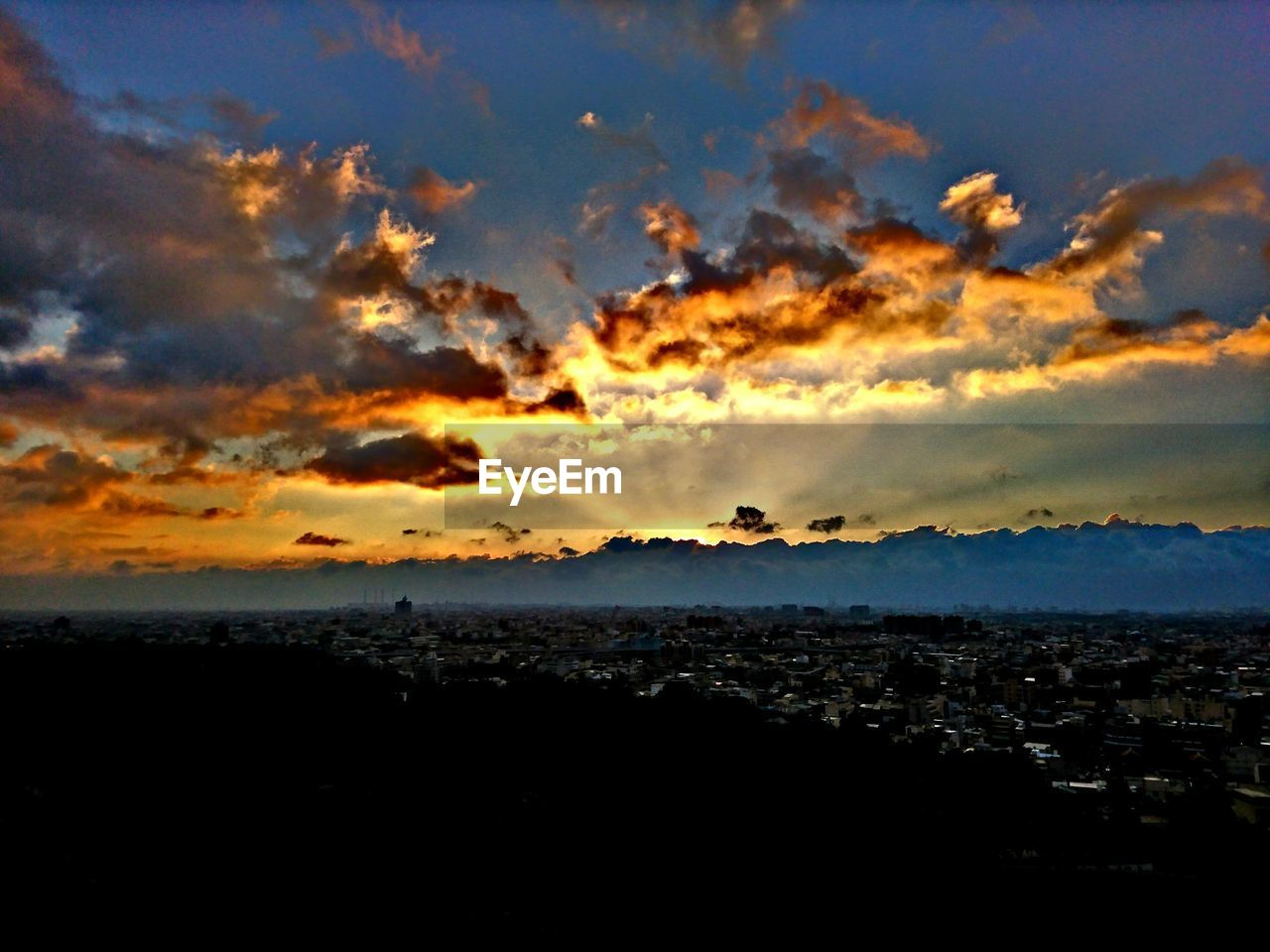 sky, sunset, nature, beauty in nature, sea, no people, tranquility, scenics, cloud - sky, silhouette, cityscape, landscape, outdoors, city