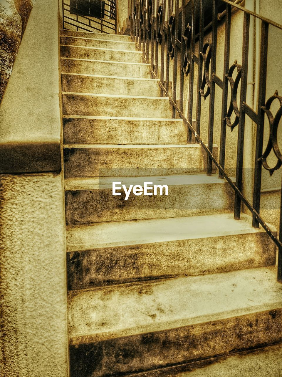 steps, staircase, steps and staircases, stairs, hand rail, no people, outdoors, day