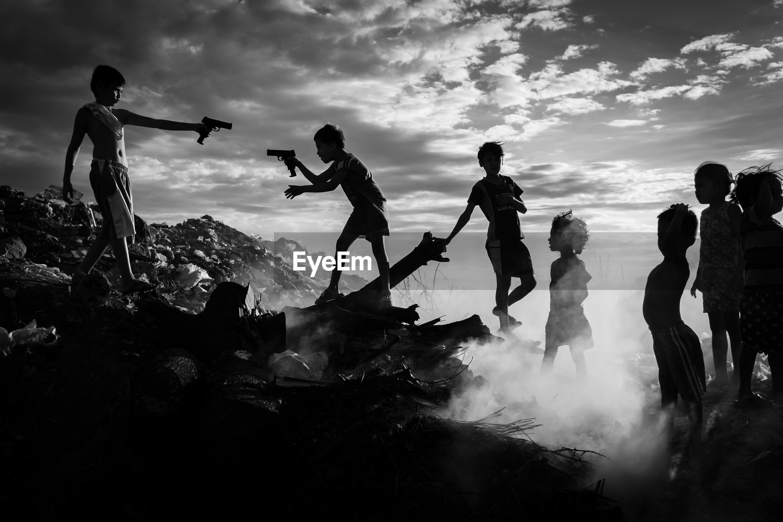group of people, real people, sky, leisure activity, cloud - sky, men, nature, lifestyles, sport, people, adventure, enjoyment, scenics - nature, motion, beauty in nature, water, land, mountain, activity, group, outdoors