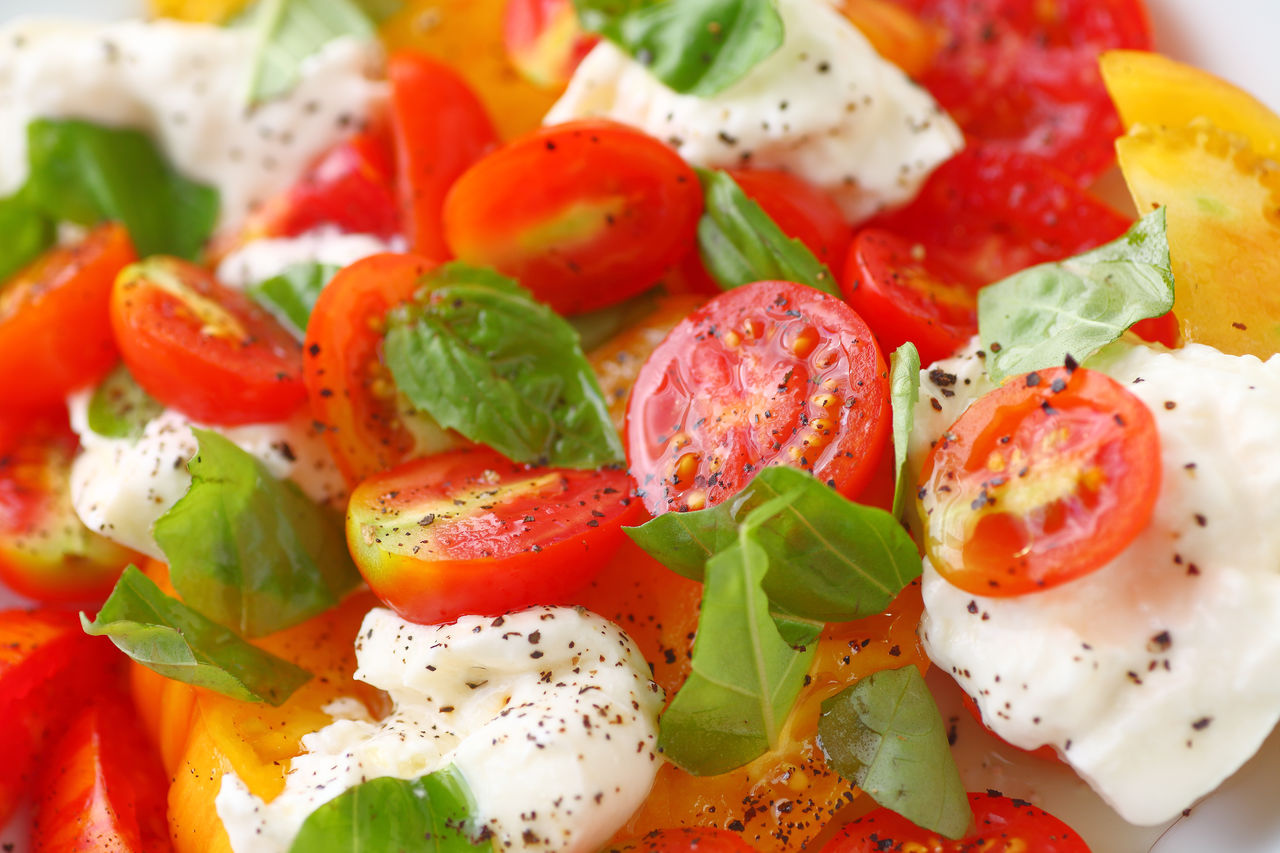 food and drink, food, freshness, healthy eating, fruit, wellbeing, tomato, vegetable, ready-to-eat, close-up, indoors, still life, salad, no people, full frame, serving size, red, backgrounds, basil, herb, vegetarian food, garnish, temptation