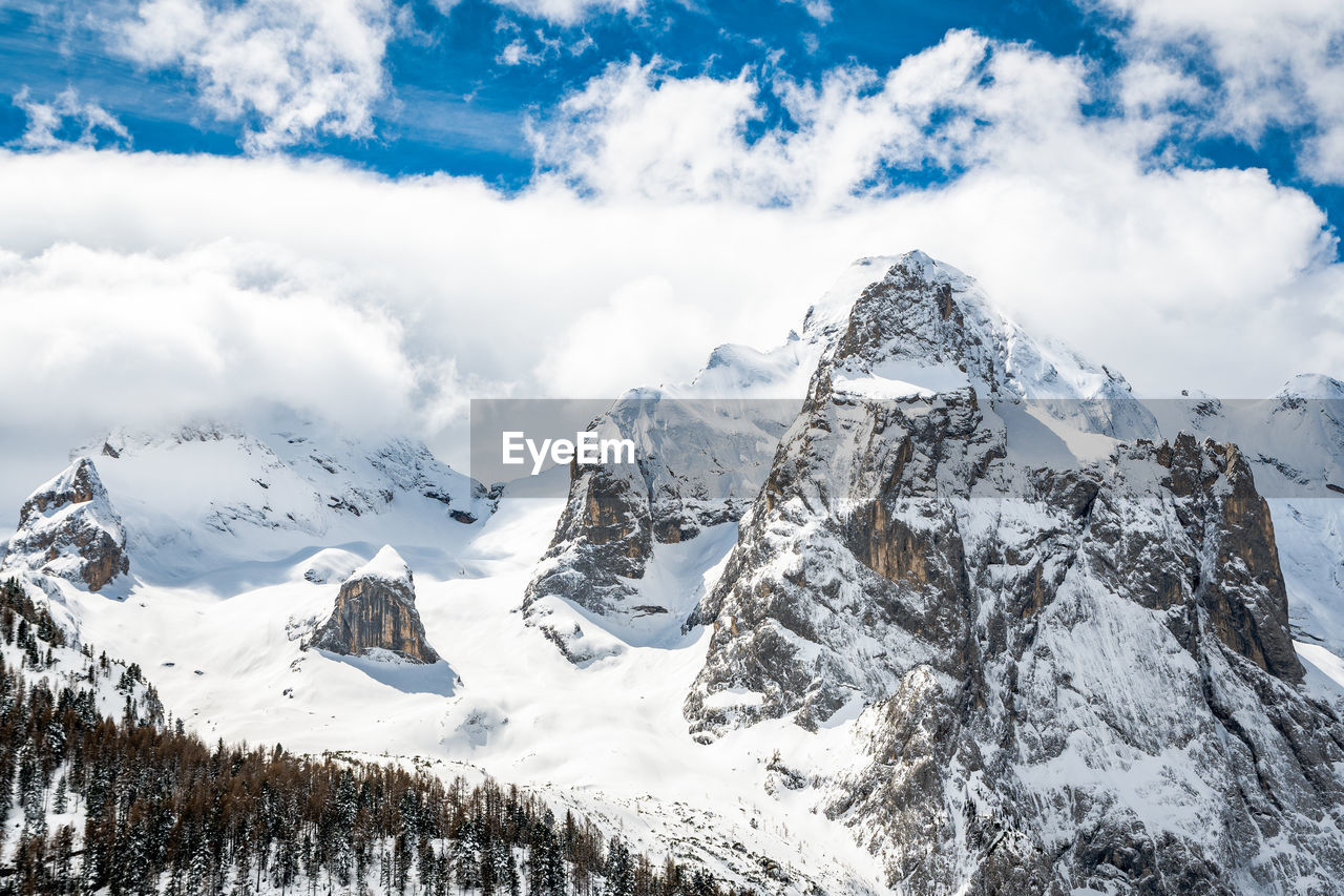 cloud - sky, snow, winter, cold temperature, sky, beauty in nature, mountain, scenics - nature, tranquil scene, tranquility, snowcapped mountain, white color, nature, day, mountain range, non-urban scene, no people, landscape, environment, mountain peak, extreme weather